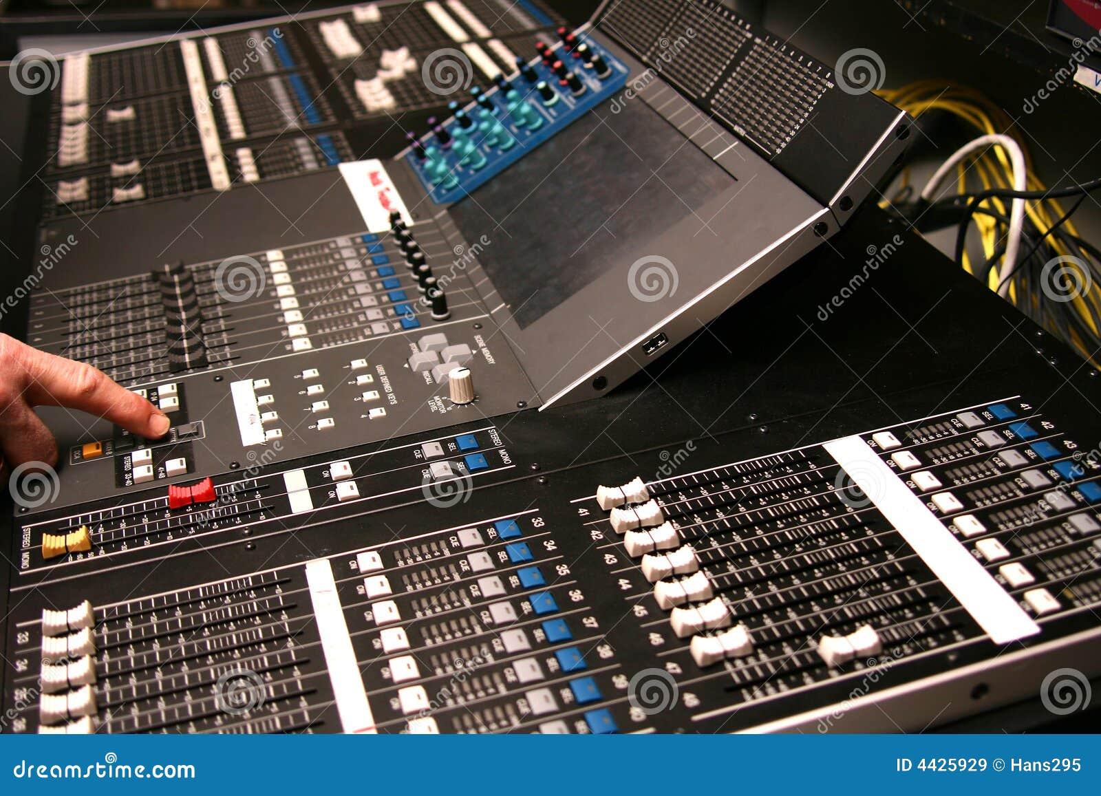 how to build an digital audio mixer