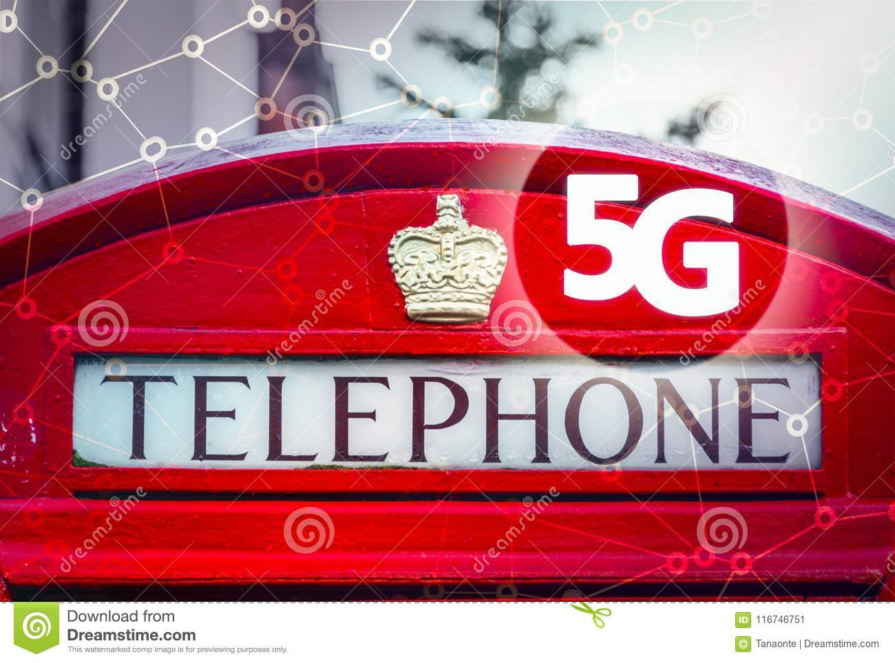 5G Or LTE Presentation  London Traditional Red Telephone Box