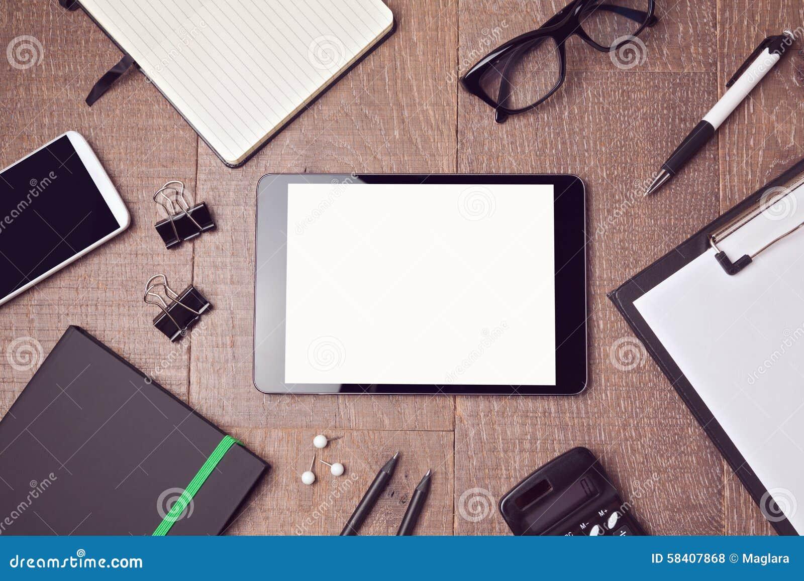 Digital-Tablettenspott herauf Schablone auf Schreibtisch Ansicht von oben