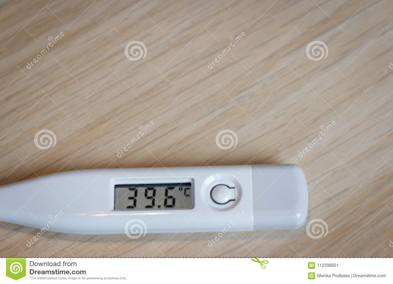 Digital Termometer Med Mycket Mycket Varmt Fotografering för