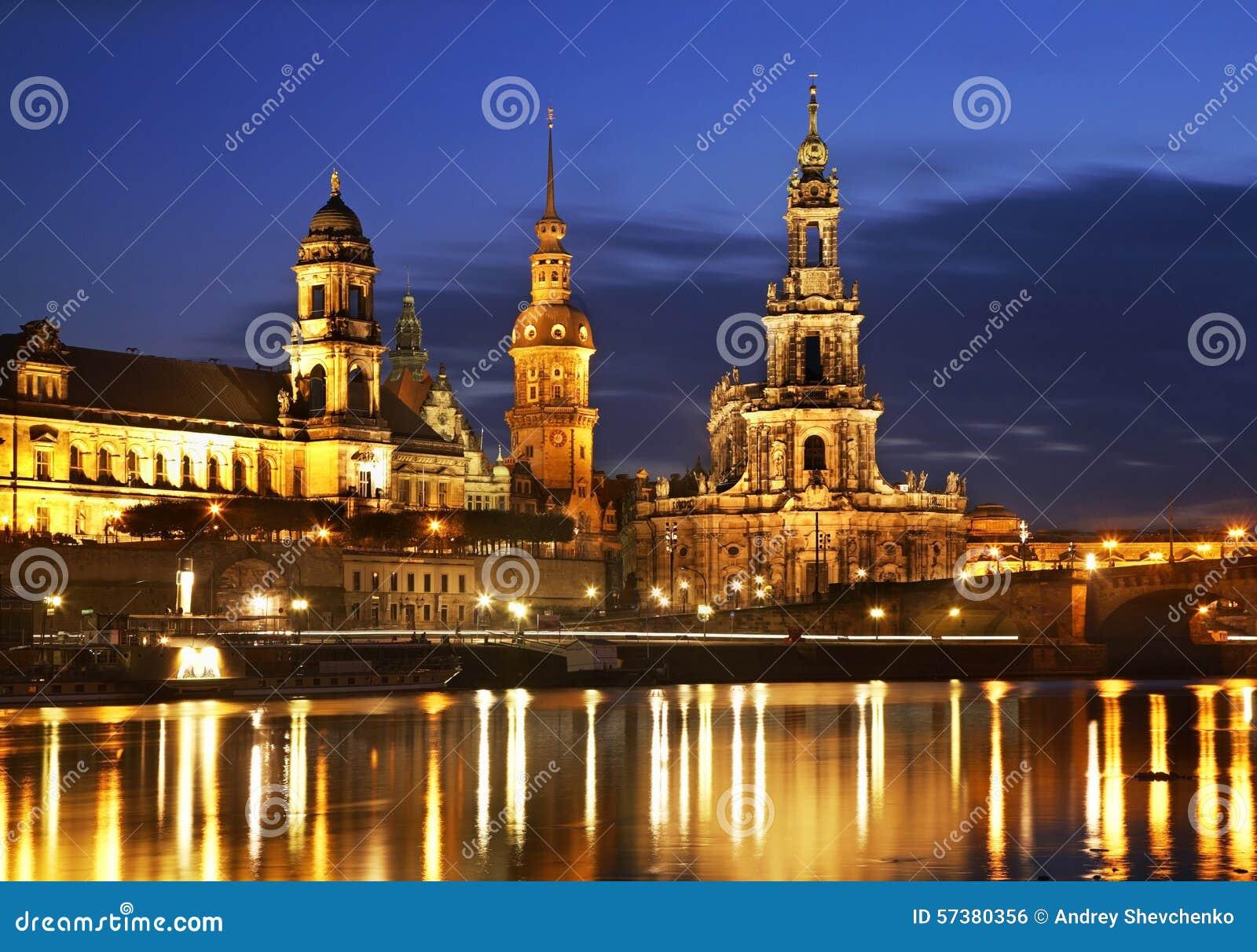 Dijk van Elbe in Dresden duitsland