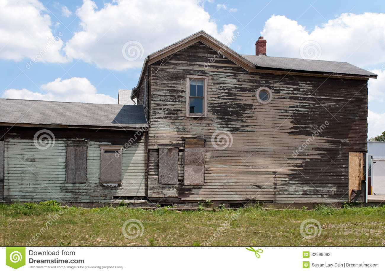 The dilapidated dwelling 2000 anayagrinn for Classic house 2000s