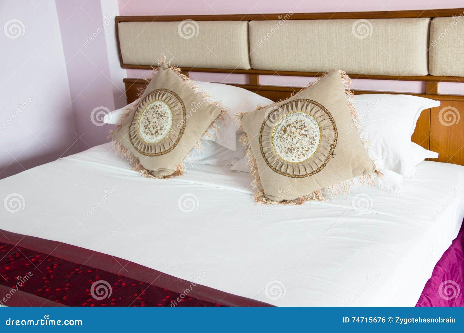 Dimensione orientale d 39 annata del letto matrimoniale di stile in camera da letto fotografia - Camera da letto del papa ...
