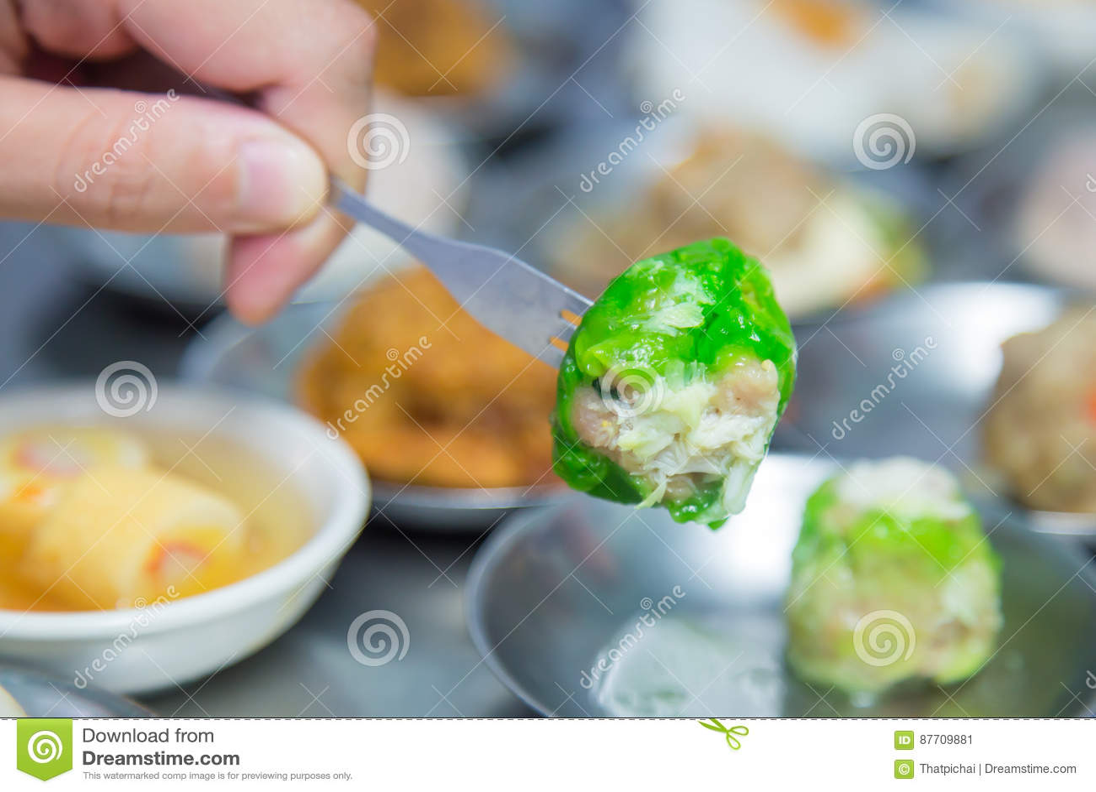 Dimsum a placé dans la plaque d acier, nourriture chinoise