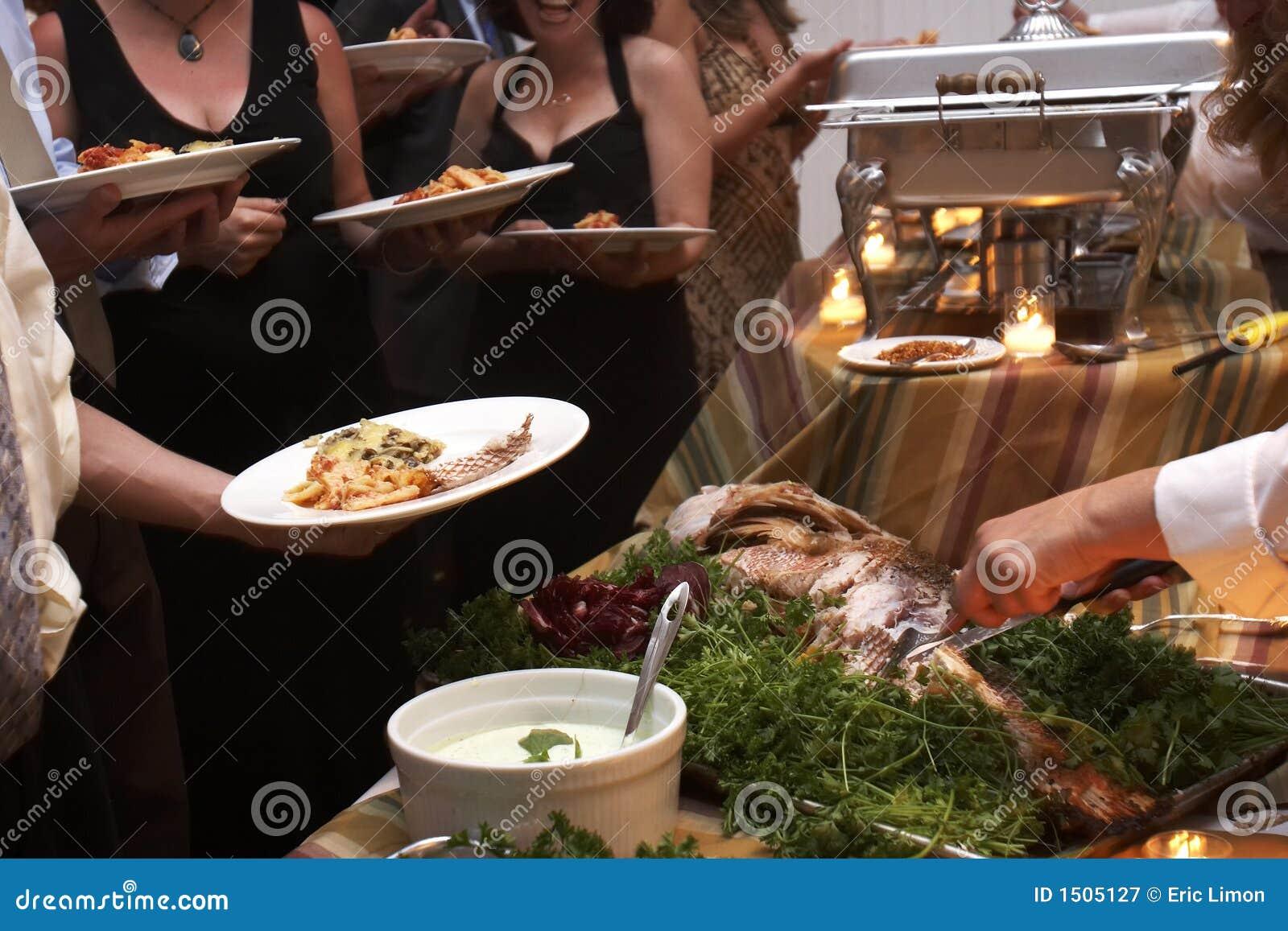 Diner dat bij een huwelijk wordt gediend