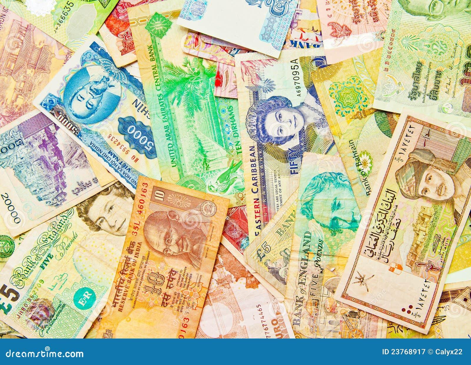 Dinero en circulación mezclado del mundo