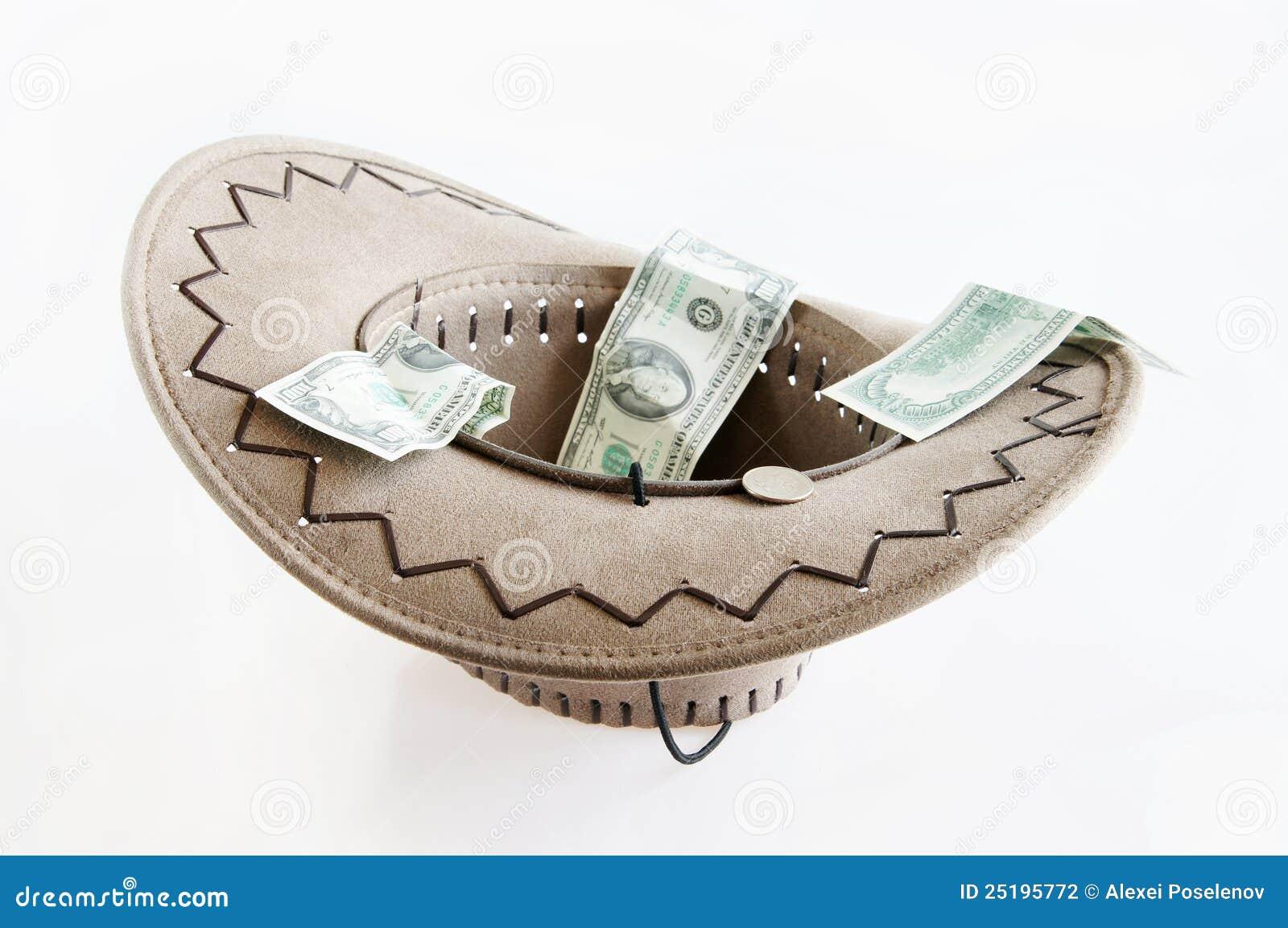 Dinero en un sombrero