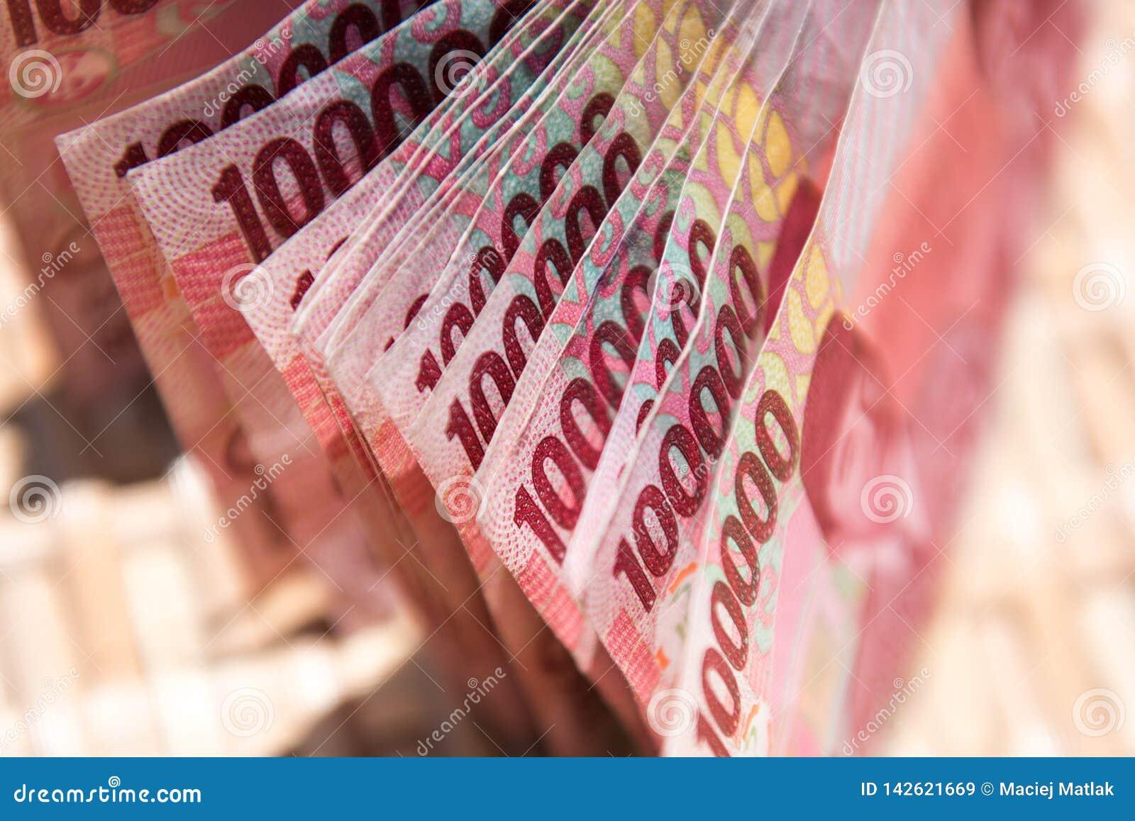 Dinero indonesio, 100.000 billetes de banco del IDR