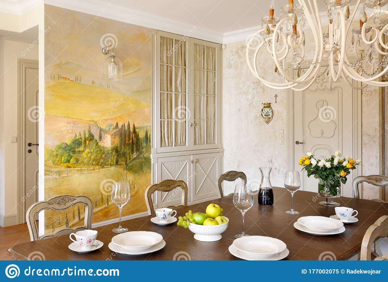 Classic Style Dining Room With Tuscany Wall Painting Stock Image Image Of Dining Tuscany 177002075