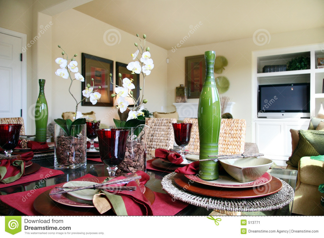 Formal Dining Table With Flower Arrangements