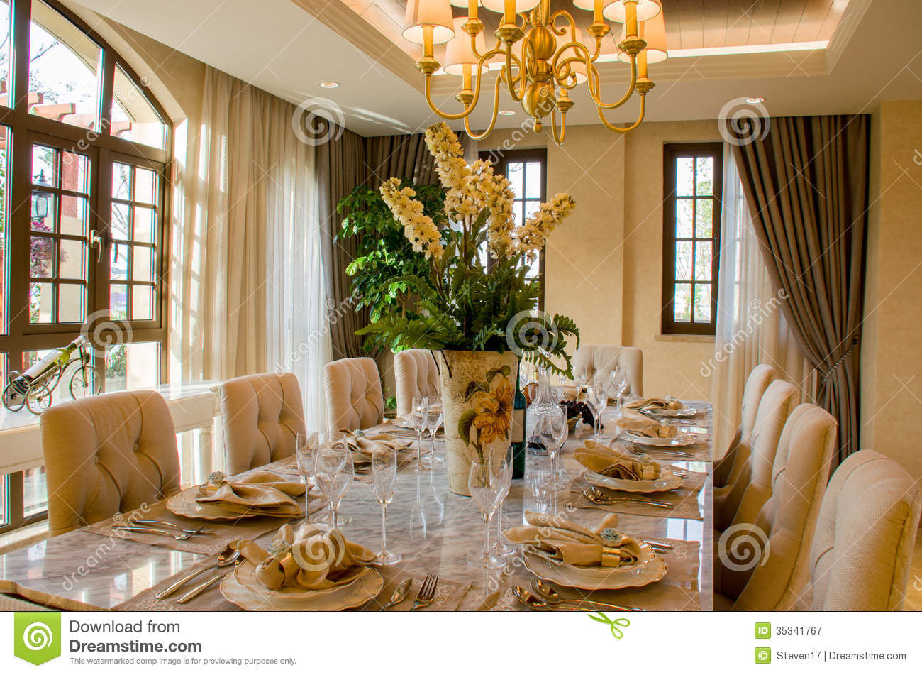 Dinining table royalty free stock photography image for Beautiful sitting rooms