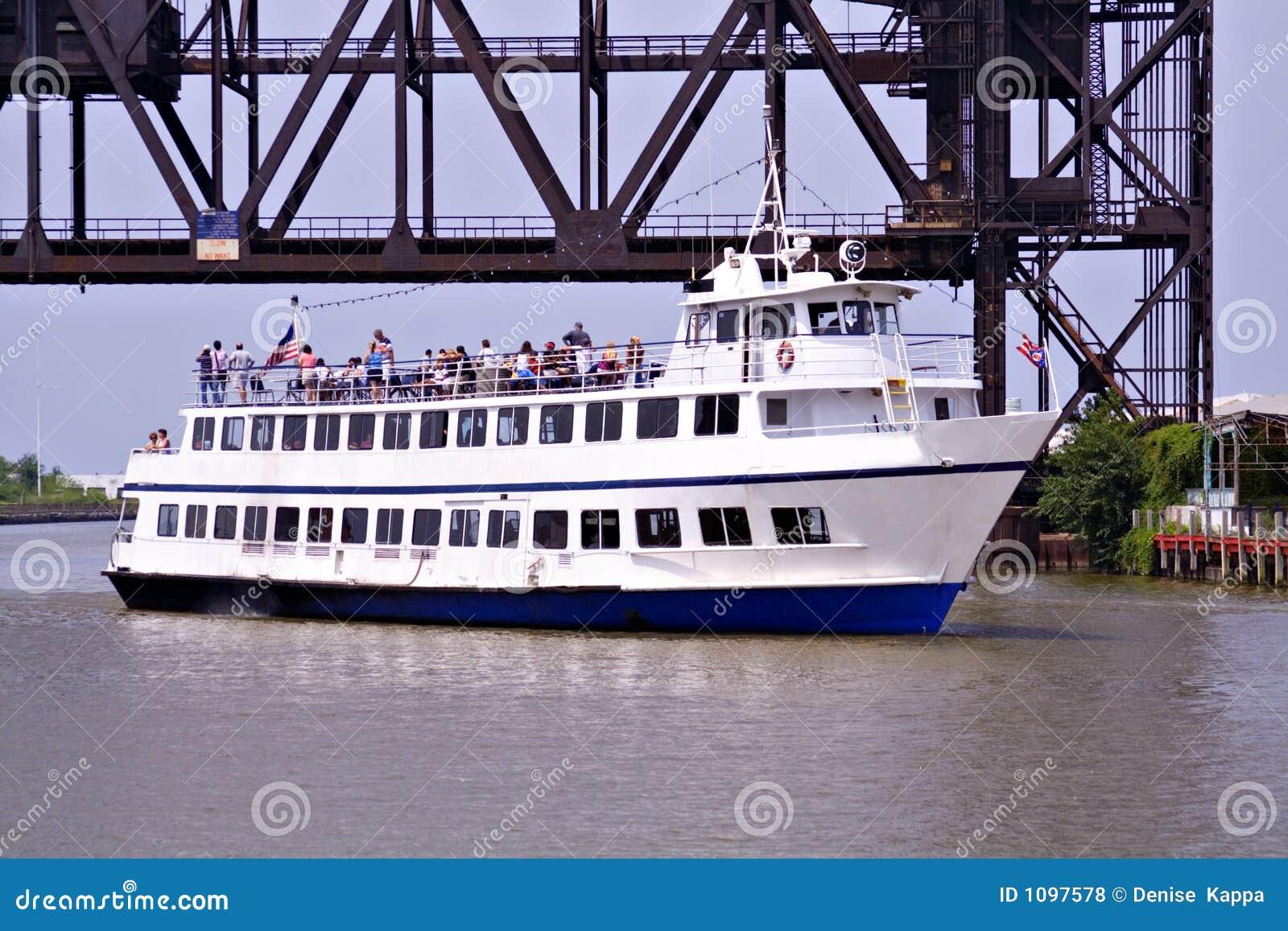 Download Dinner Cruise stock photo. Image of ohio, people, raise - 1097578