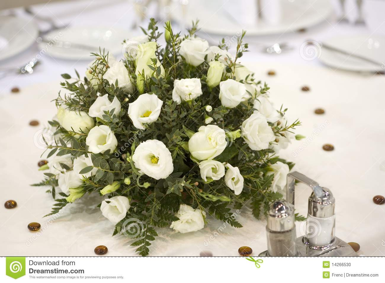 Dinner table with flowers stock photo image of napkin for Dinner table flowers