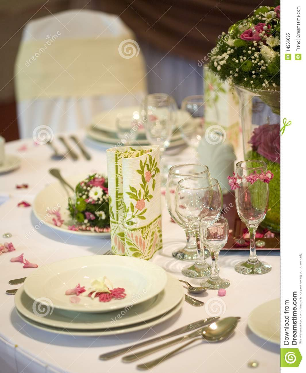 Dinner table with flowers royalty free stock photo image for Dinner table flowers