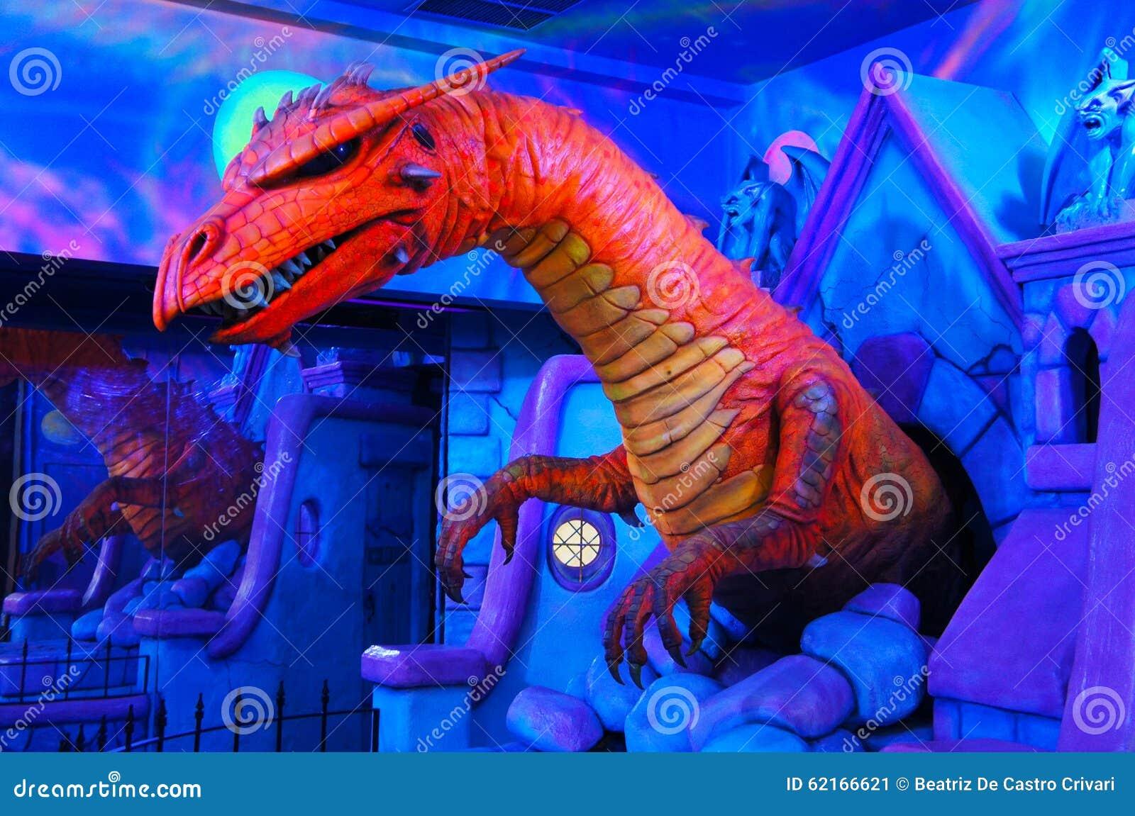 Dinosaurio del color imagen de archivo. Imagen de colorido - 62166621
