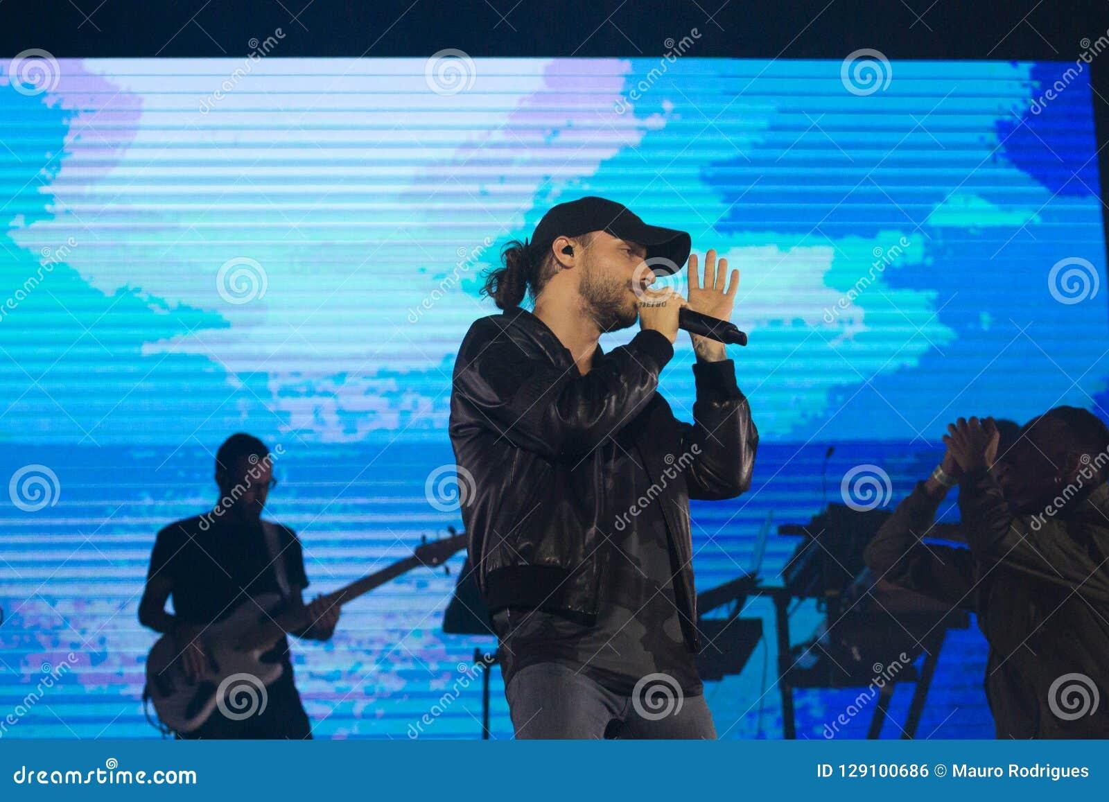 Diogo Piçarra artysty spełnianie na festiwalu muzyki