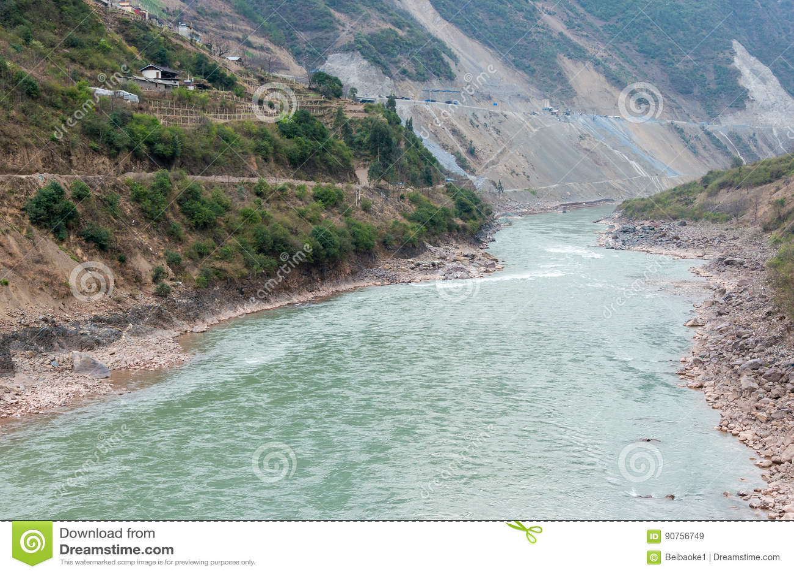 DIQING, CINA - 18 MARZO 2015: Lancang River un vil tibetano famoso