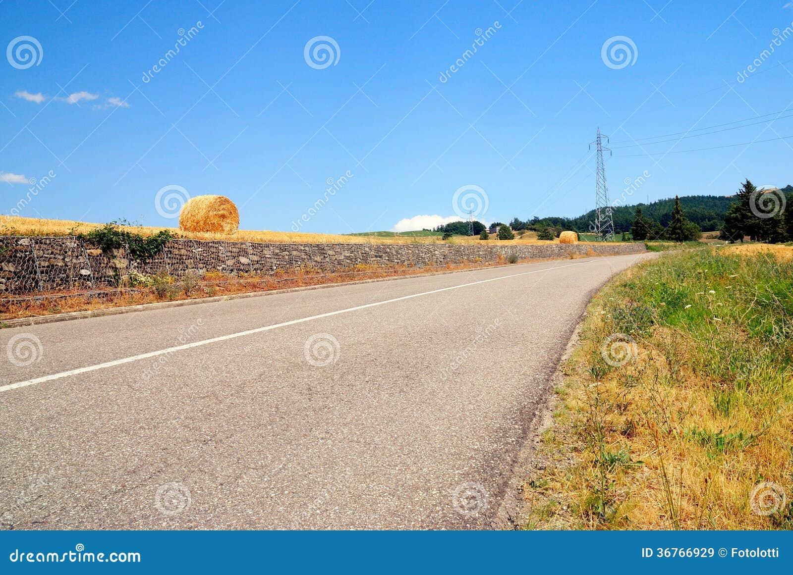 Direito da volta da estrada secundária