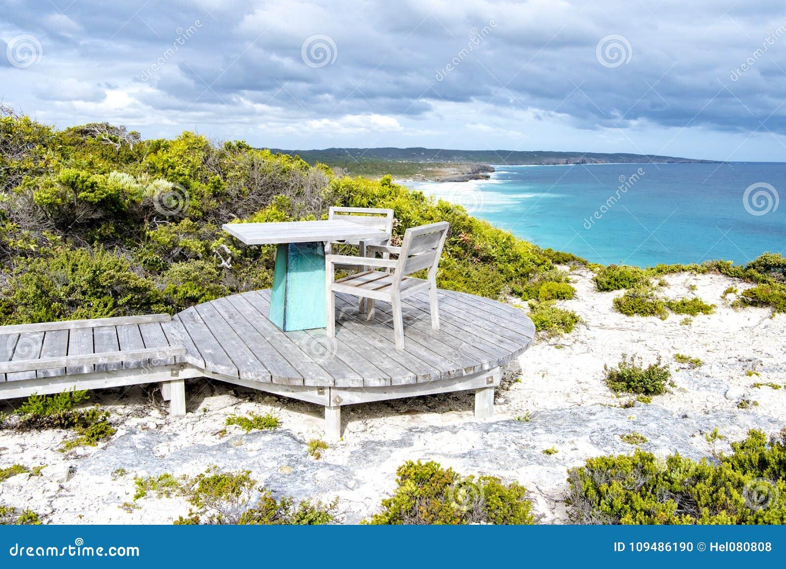 Direito exterior ao lado da praia, ilha do assento do canguru, Austrália