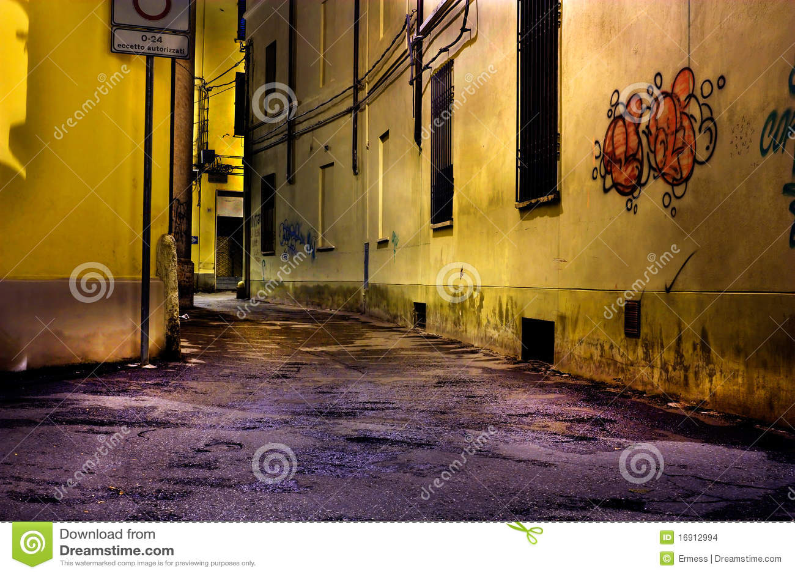 Download Dirty corner stock photo. Image of alleyway, abandoned - 16912994