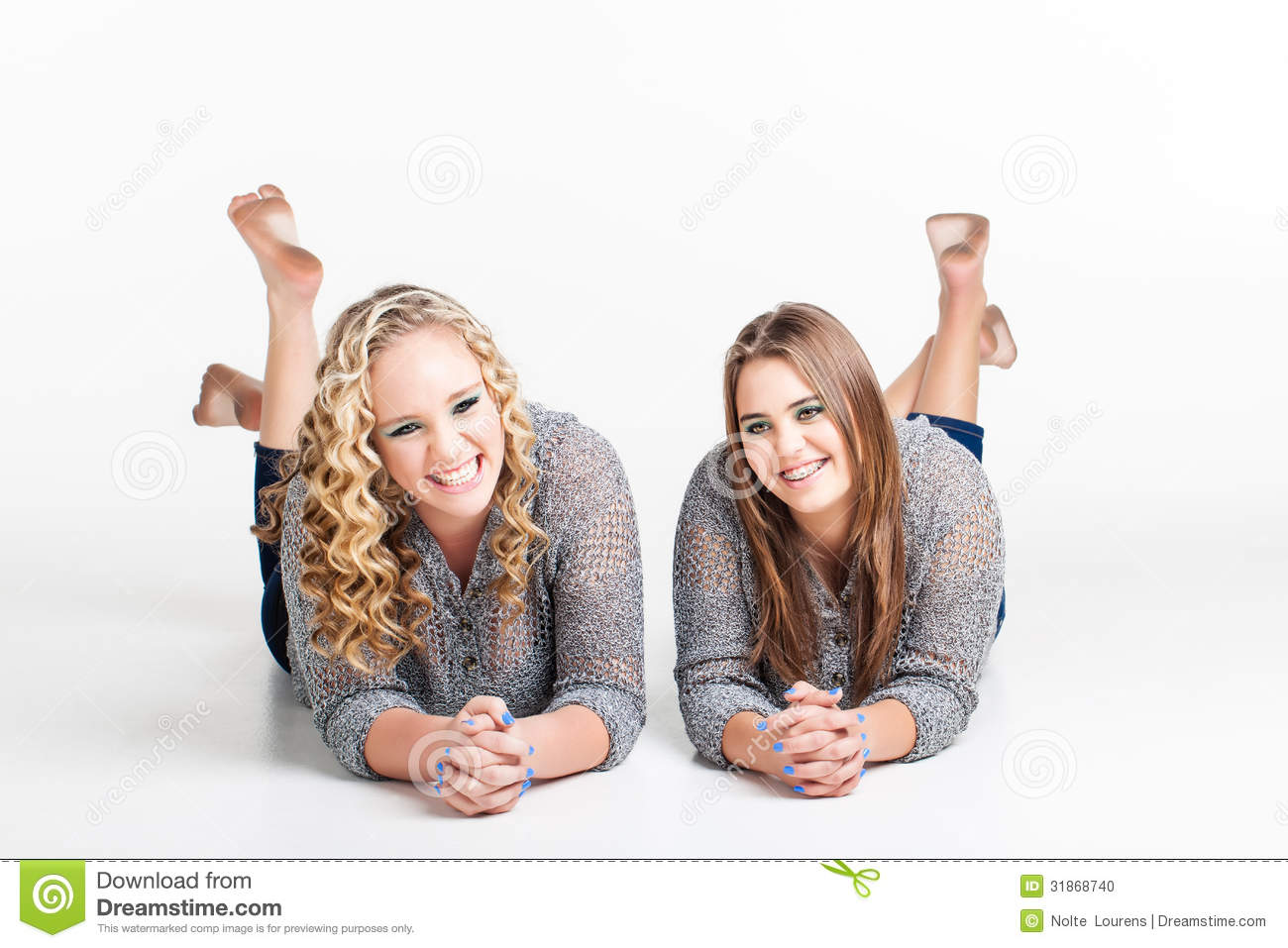 [Image: dirty-feet-two-best-friends-their-stomac...868740.jpg]