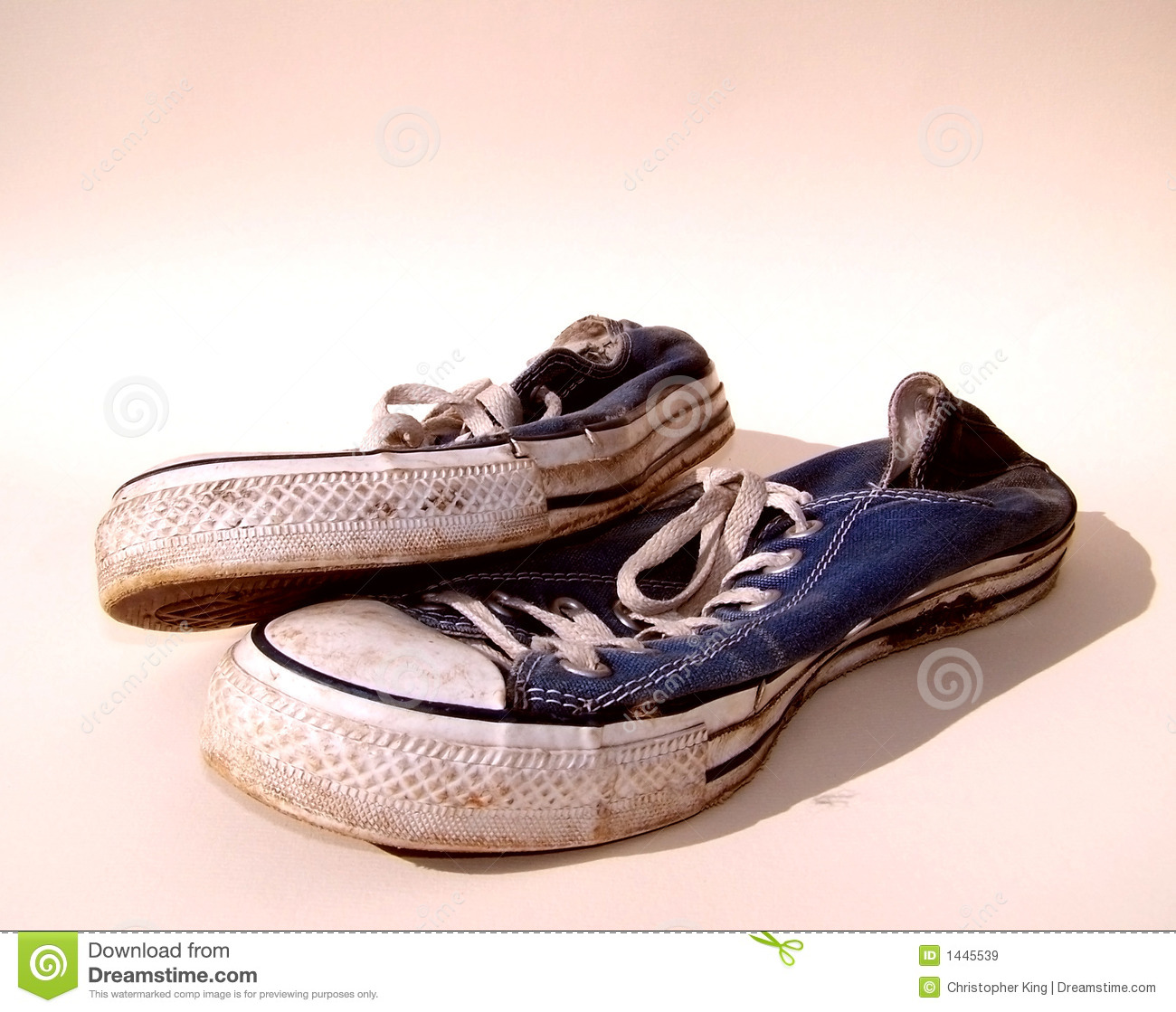 Dirty Trainers Sneakers Stock Images - Download 431 Royalty Free Photos 5642d0796