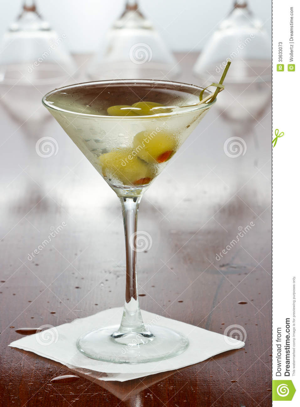 vodka martini dirty vodka martini stock photos image 33633073 12458