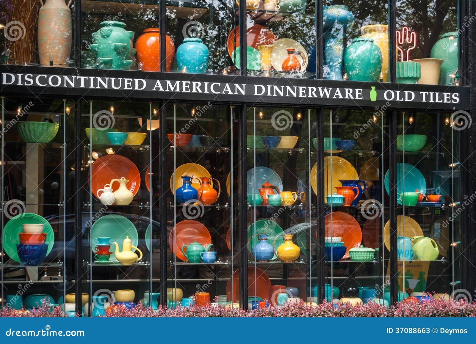 Download Discontinued Amerykański Dinnerware Sklep, Seattle Zdjęcie Stock Editorial - Obraz złożonej z półmisek, glassblower: 37088663