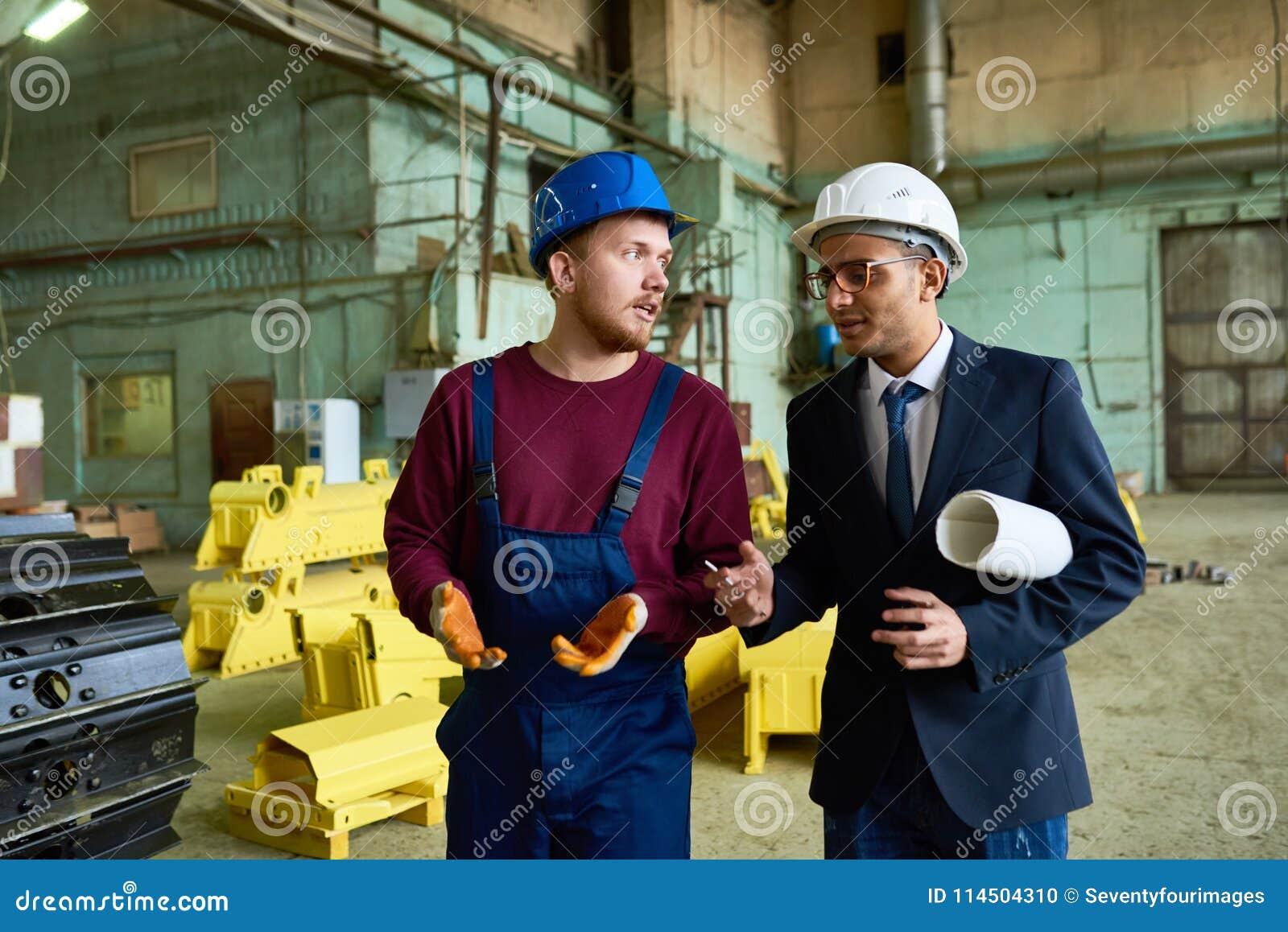 Discussion du déroulement des opérations avec le supérieur