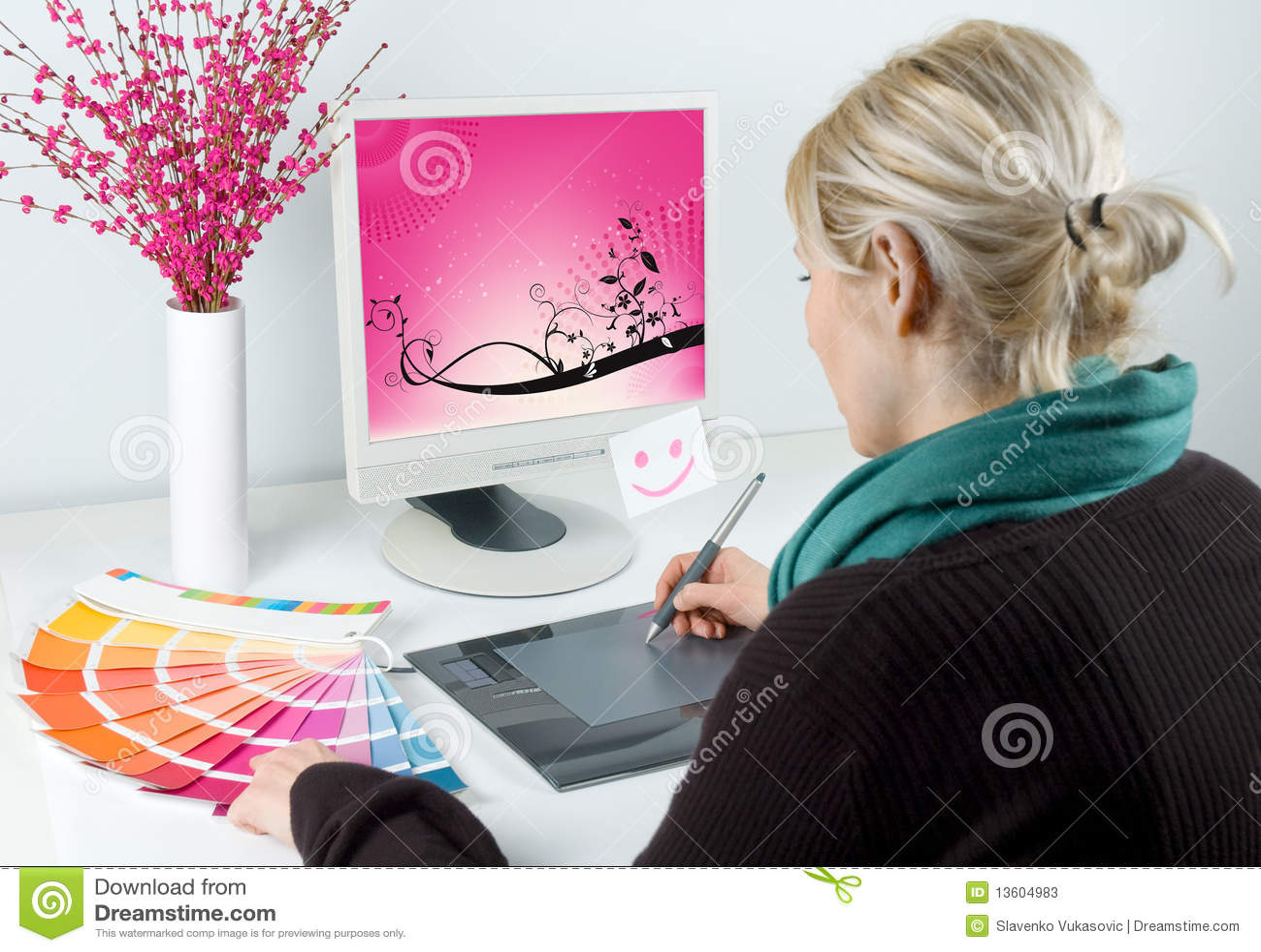 Dise ador gr fico fotos de archivo imagen 13604983 - Disenador de fotos ...