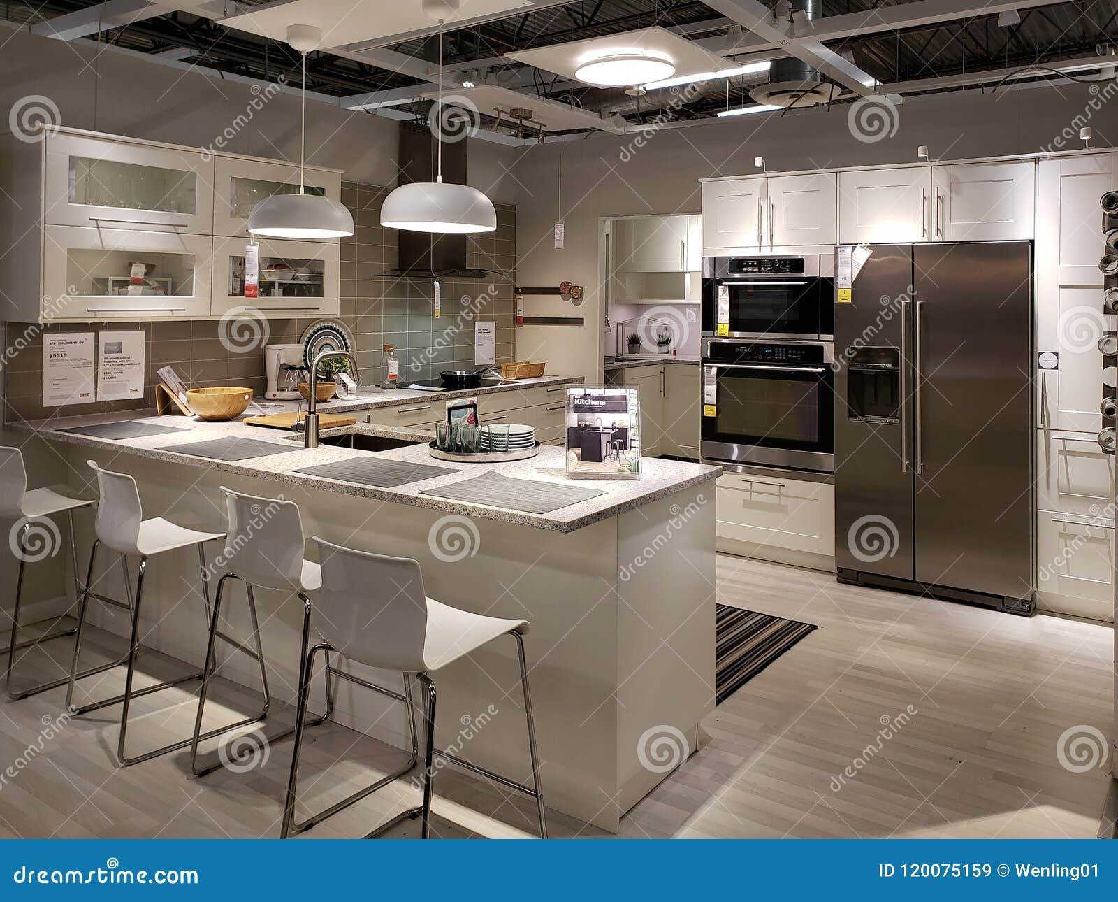Diseño Agradable De La Cocina En La Tienda De Equipamiento IKEA ...