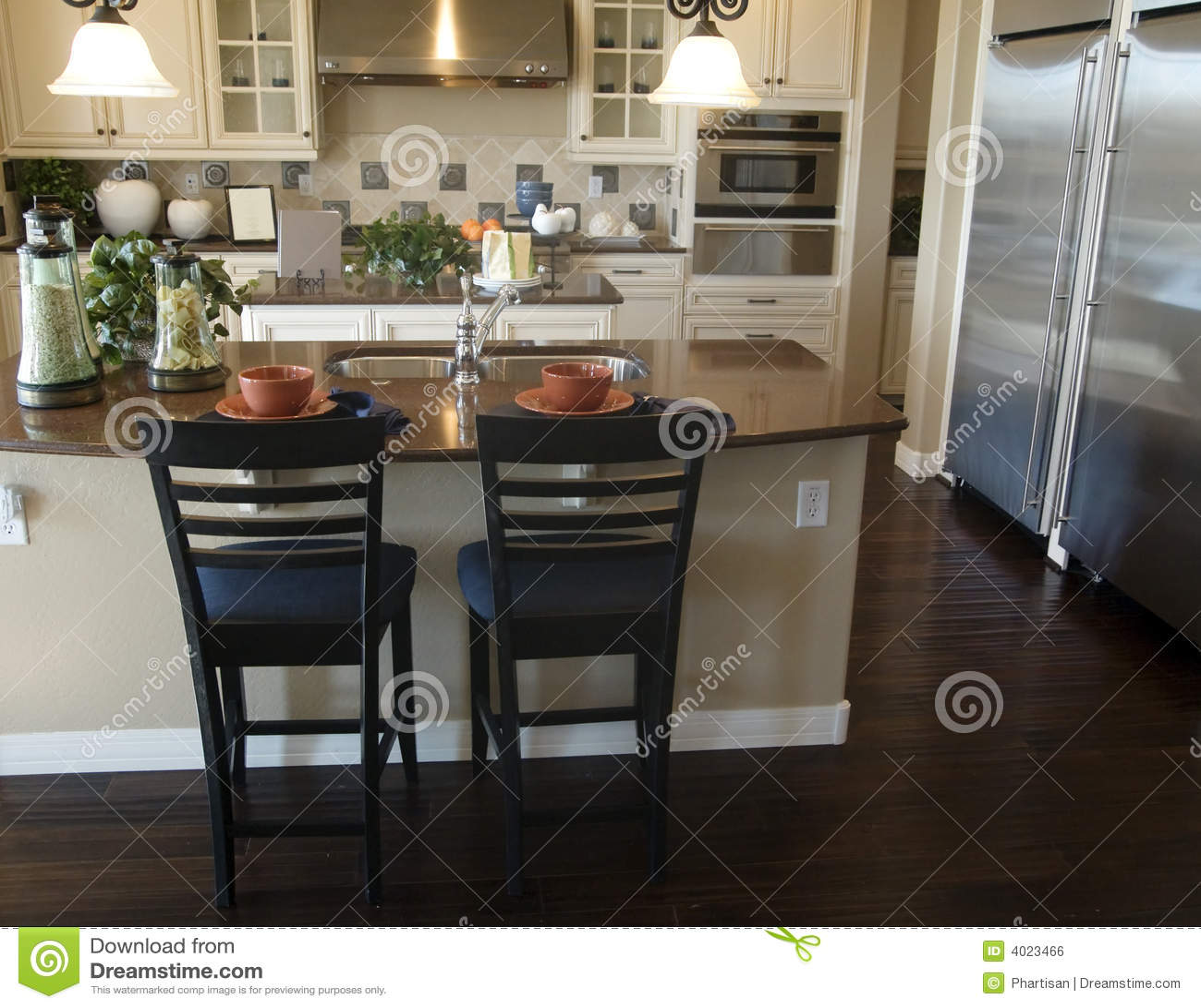 Dise o interior de la cocina moderna foto de archivo for Diseno de interiores de cocinas pequenas modernas