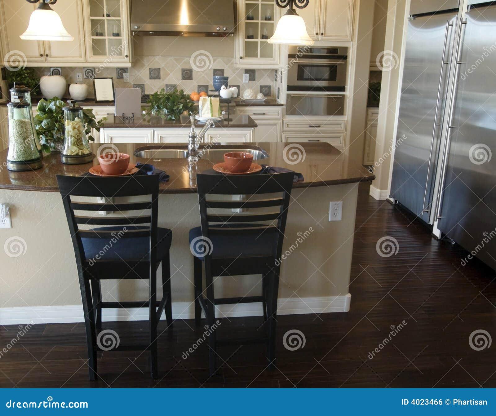 Dise o interior de la cocina moderna foto de archivo for Interior cocinas modernas