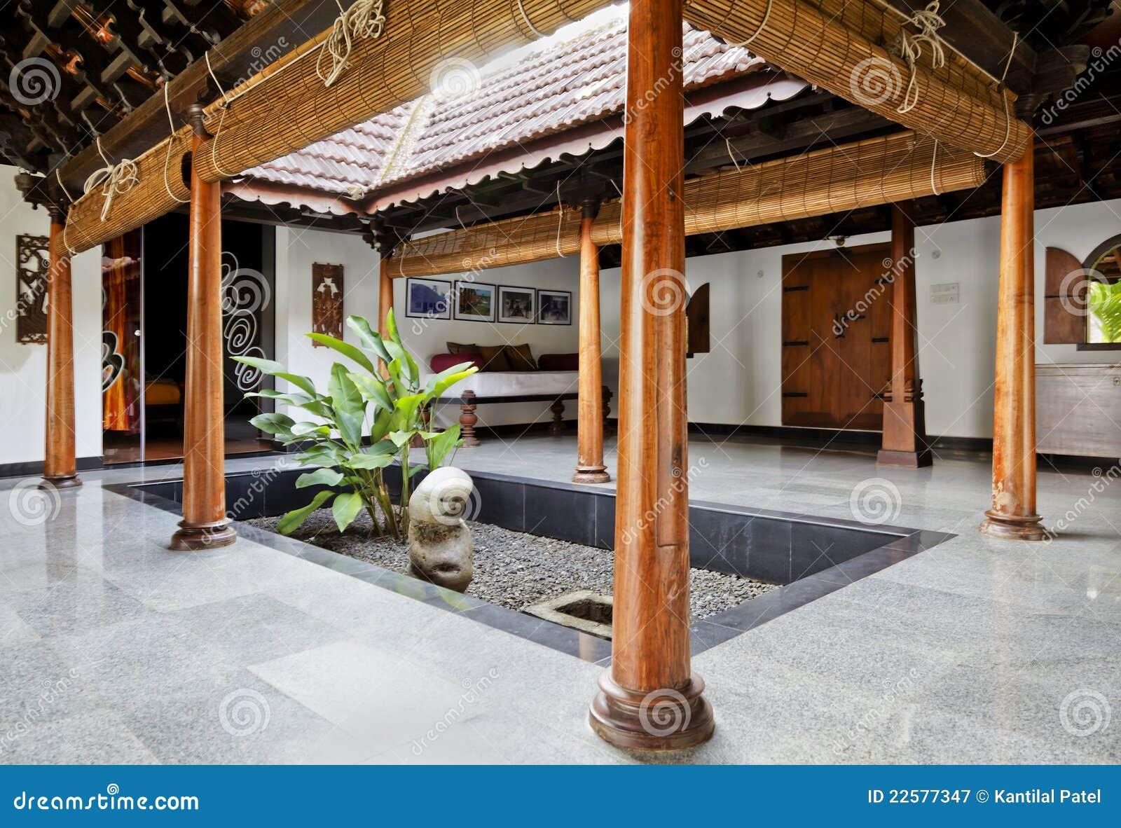 Dise o interior de patio en la casa de planta baja de - Diseno patio interior ...
