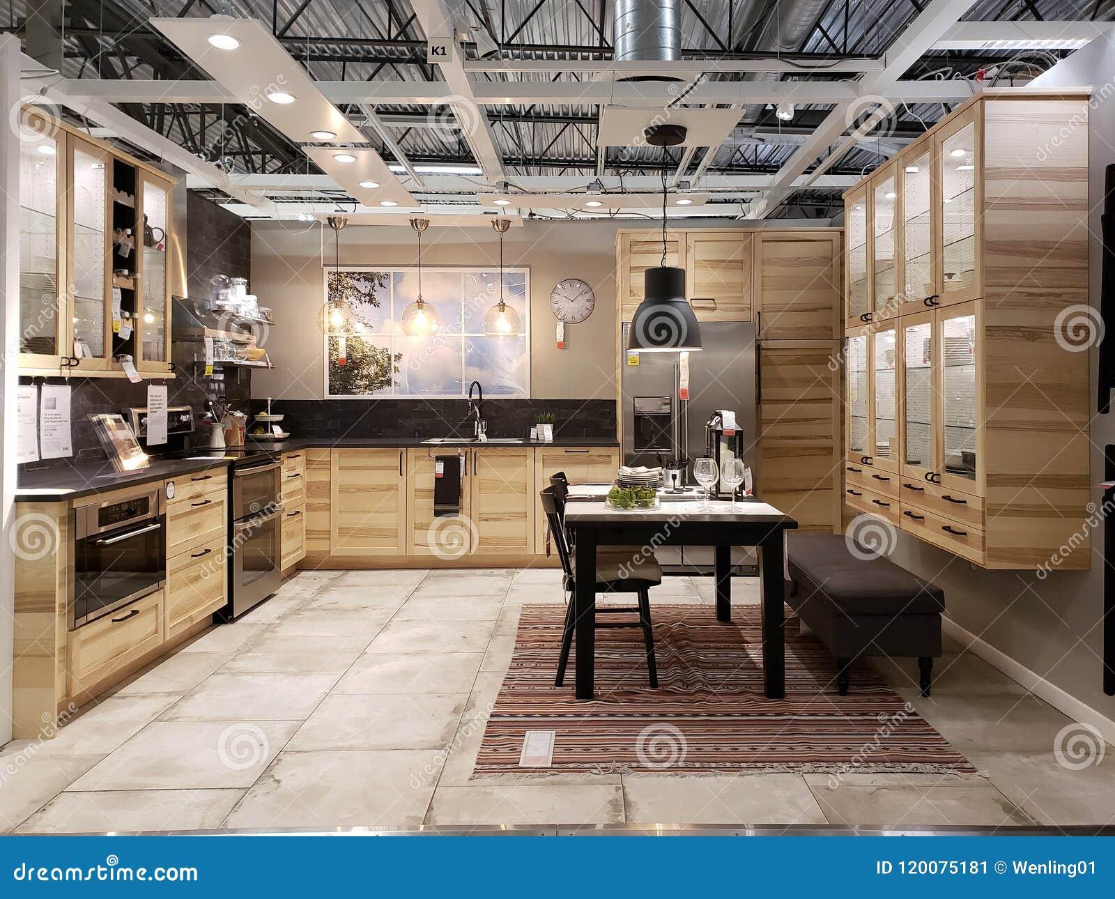Diseño Moderno Agradable De La Cocina En La Tienda De Equipamiento ...
