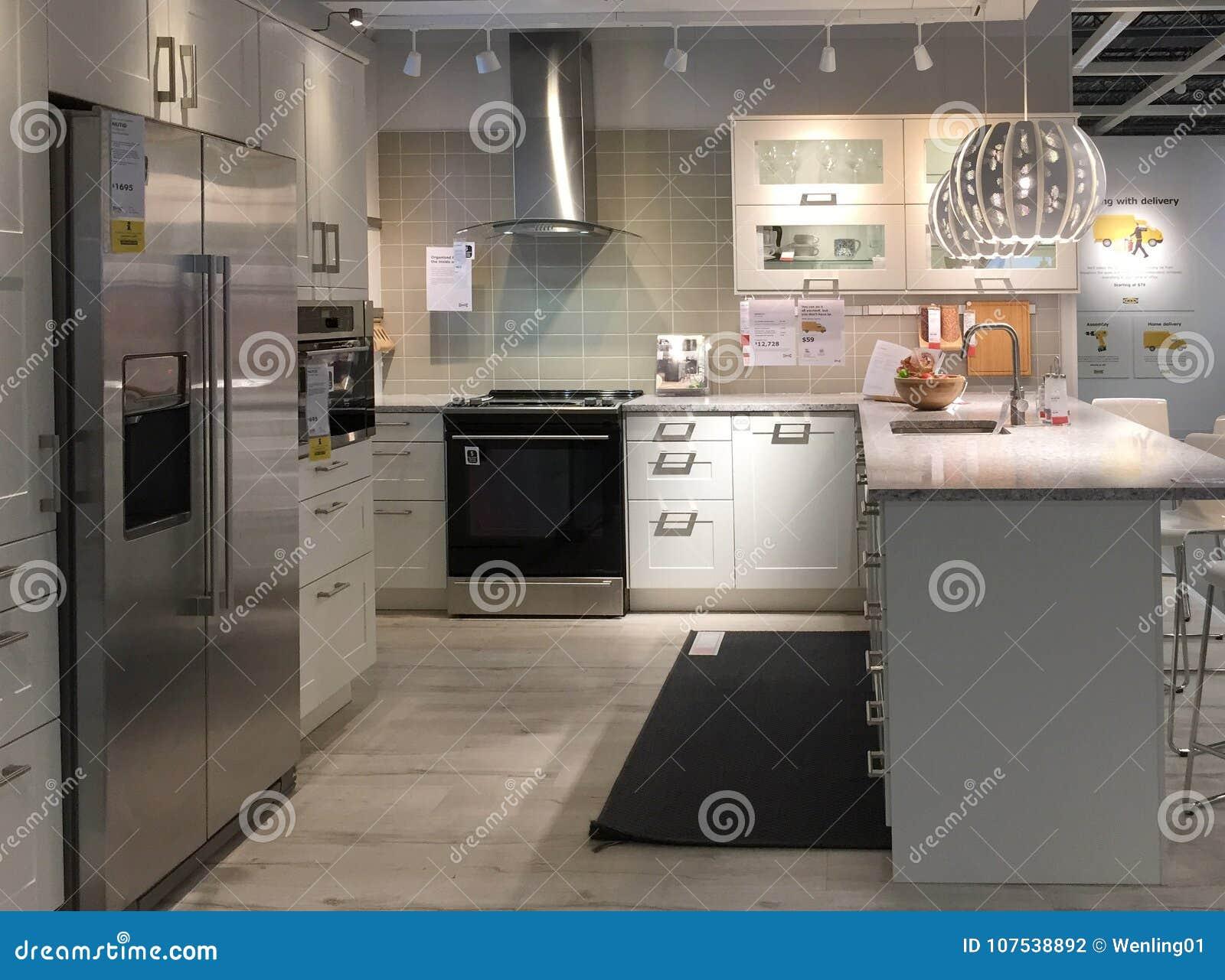Diseño Moderno De La Cocina Con El Contador En La Tienda De ...