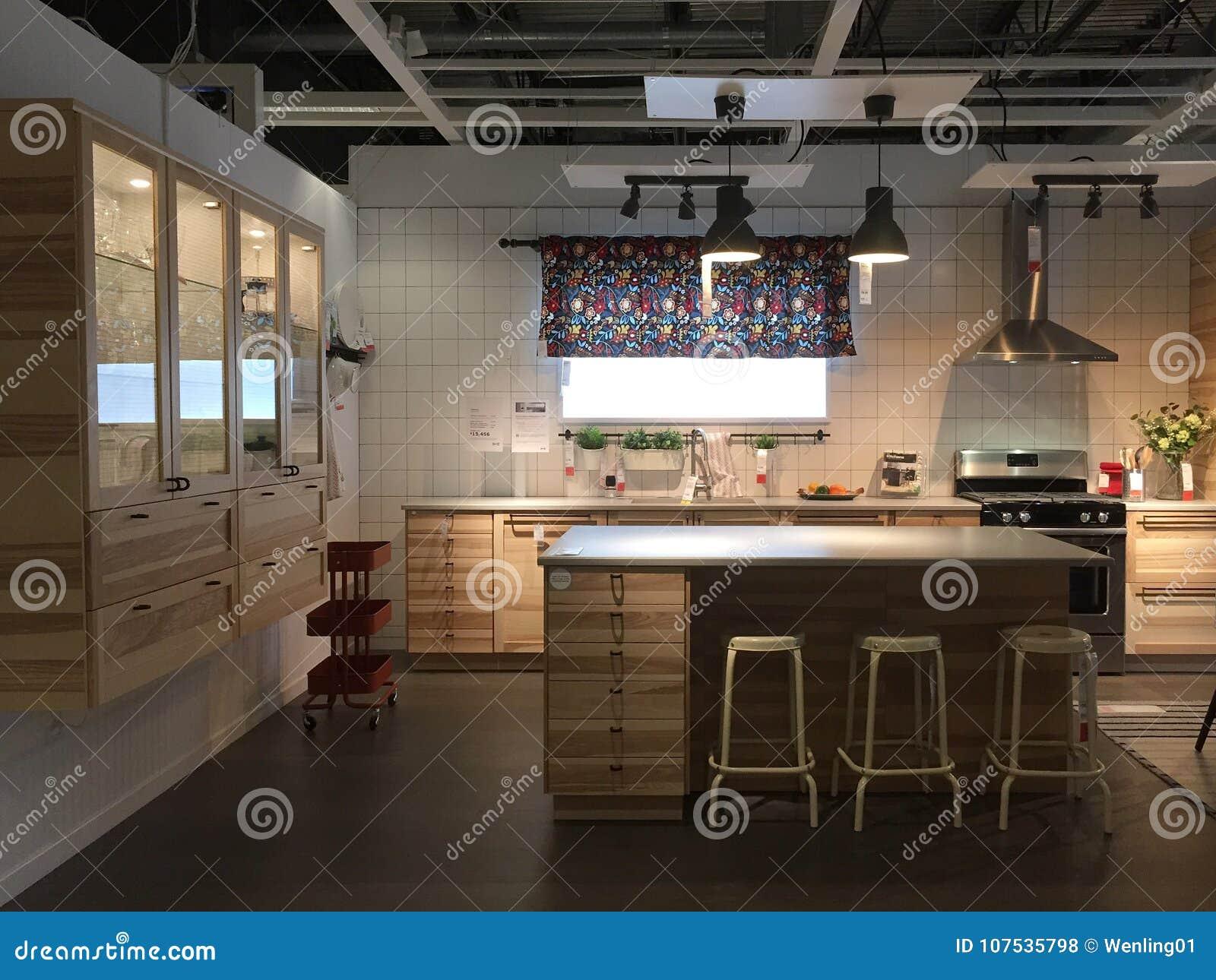 Diseño Moderno De La Cocina Con La Isla En IKEA LOS E.E.U.U. ...