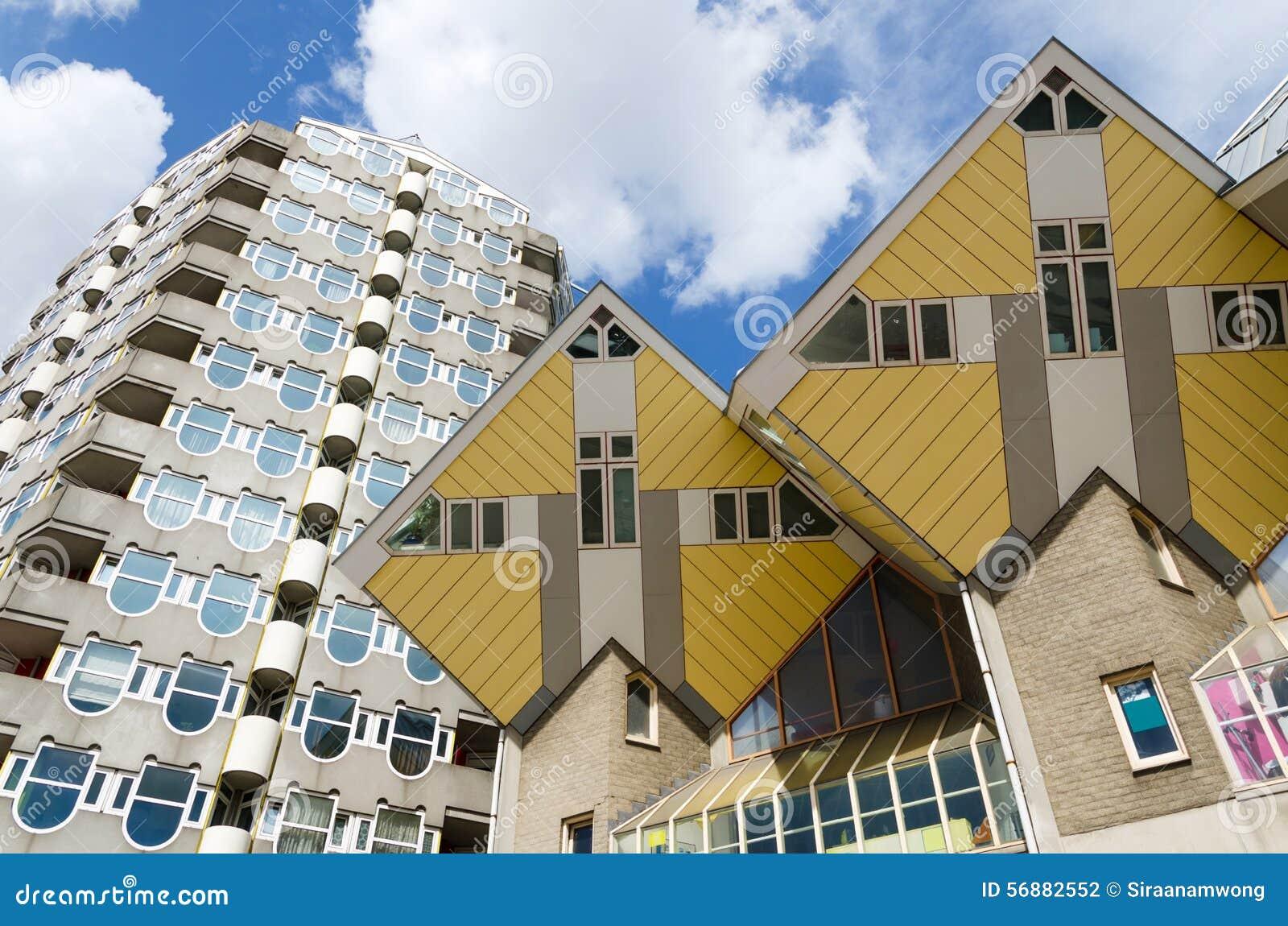 Disegni a matita le case del cubo e della torre nel centro di Rotterdam