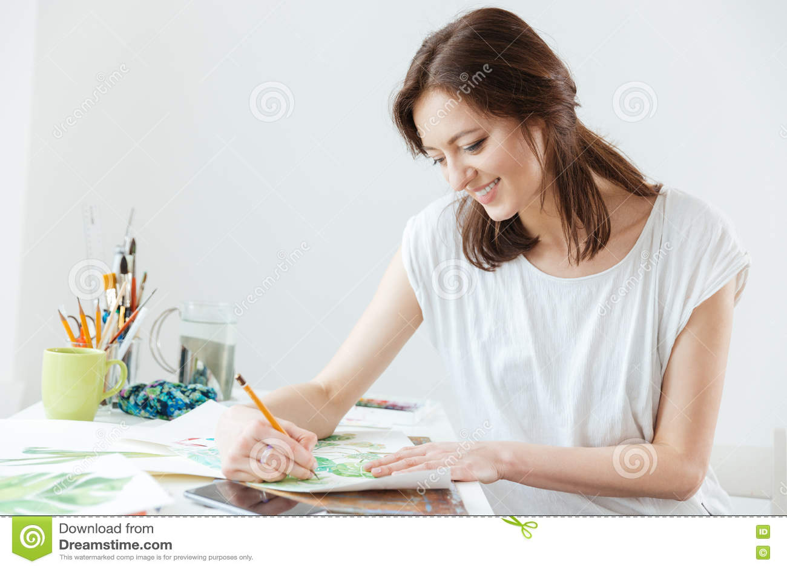 Disegno del pittore della donna alla tavola fotografia stock immagine 69876842 - Alla tavola della longevita ...
