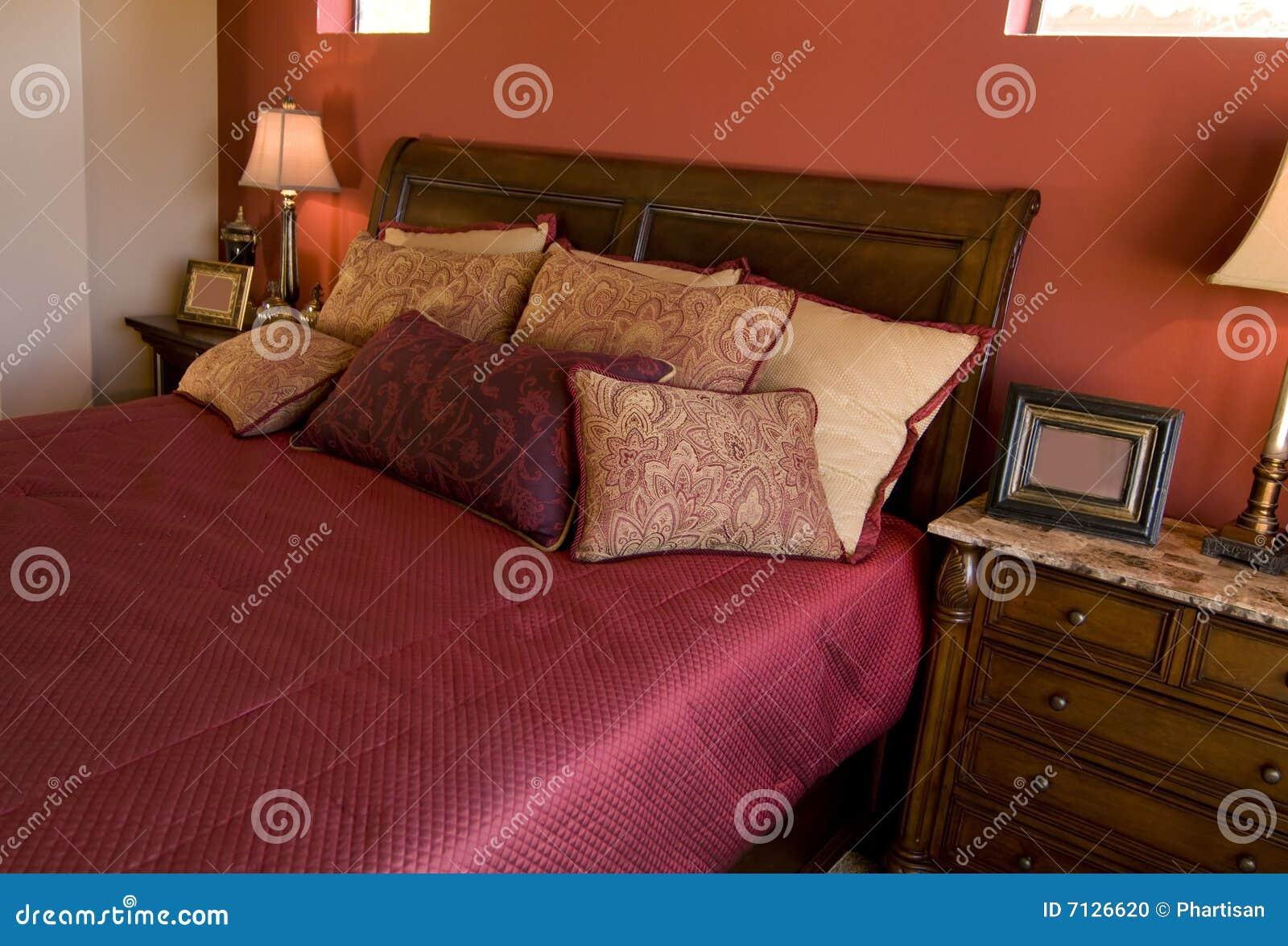 Disegno interno della bella camera da letto
