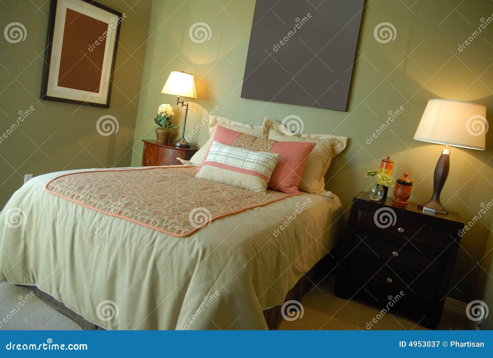 Disegno interno della bella camera da letto della vetrina