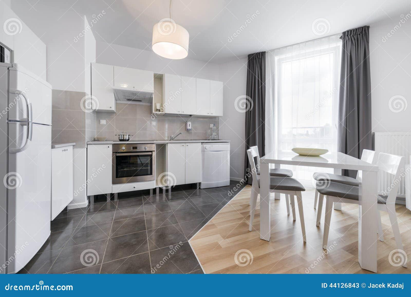 Disegno interno della cucina moderna immagine stock for Disegno cucina