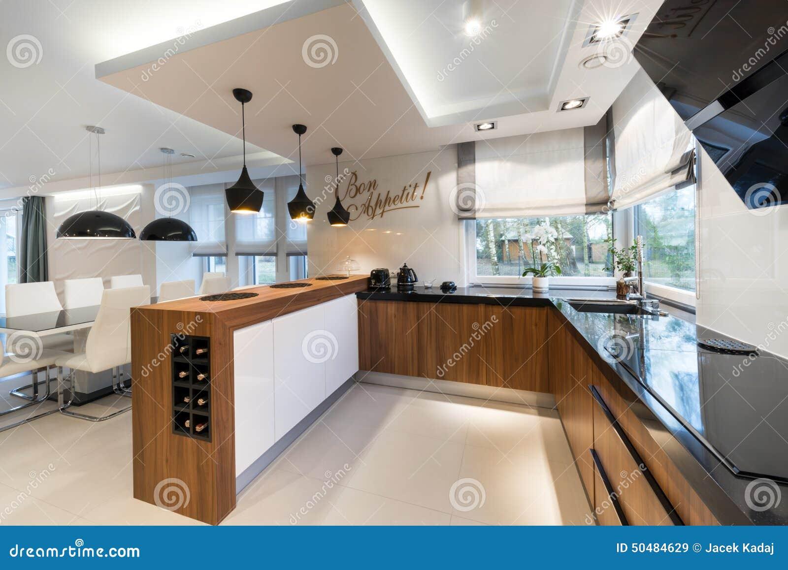 Disegno interno della cucina moderna
