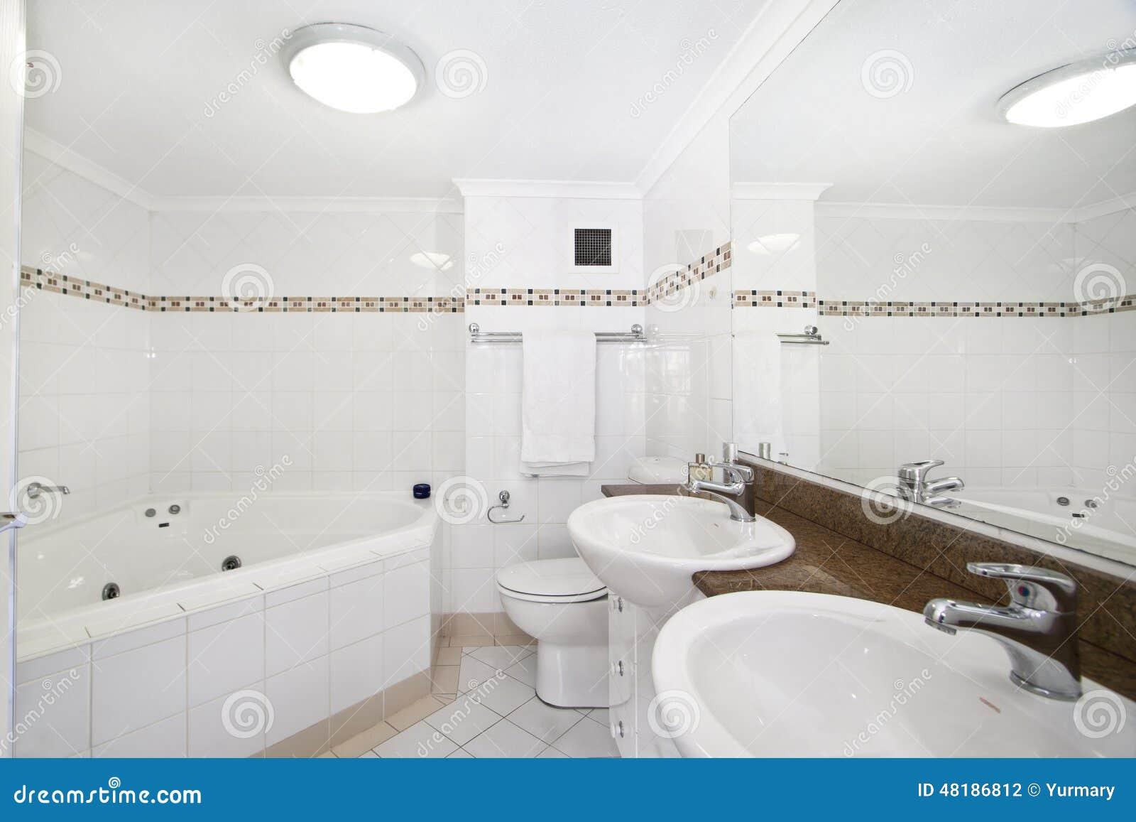 Dise o interior interior del cuarto de ba o foto de - Cuarto de bano com ...