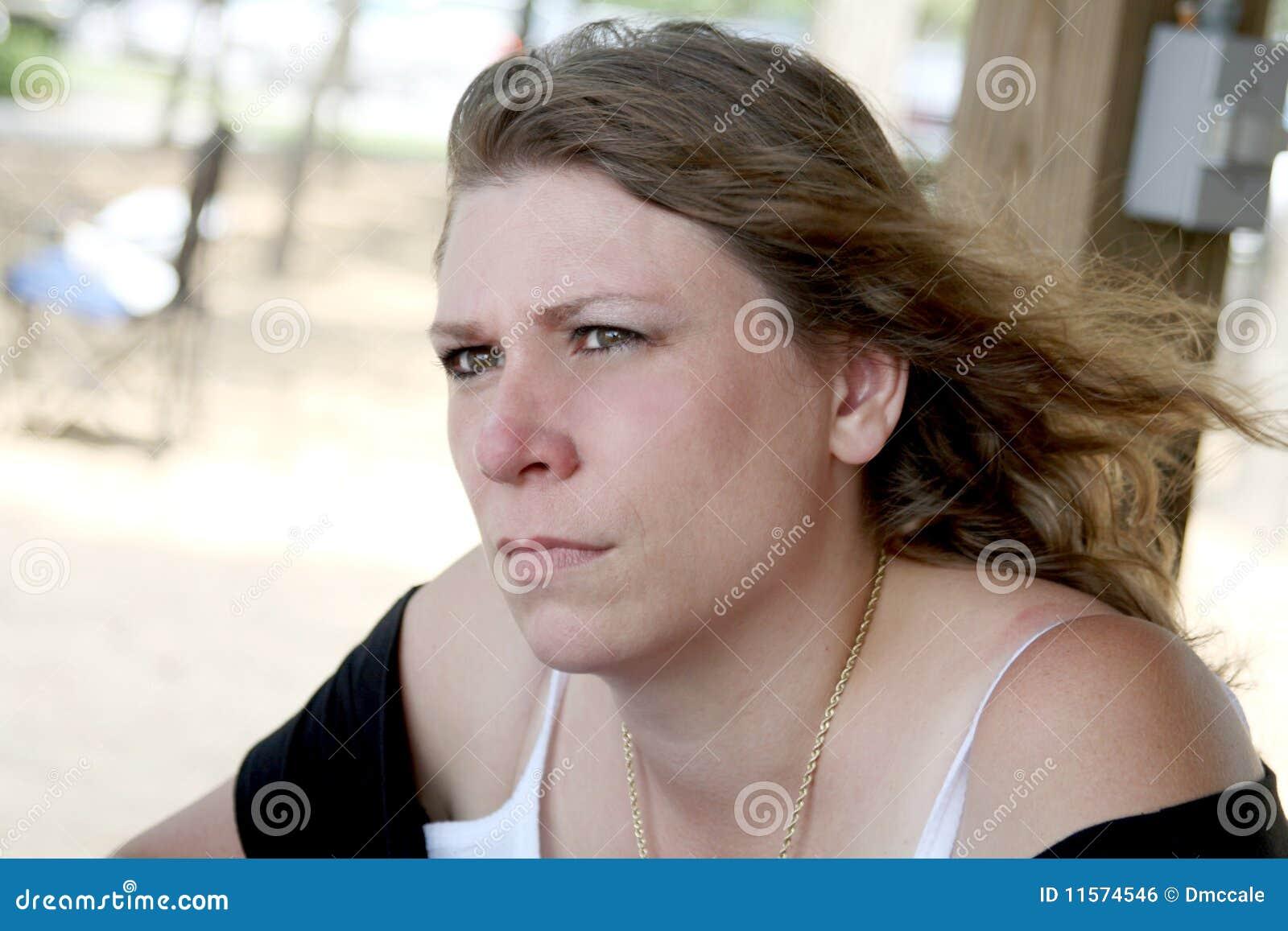 Disgusted сумашедшая женщина