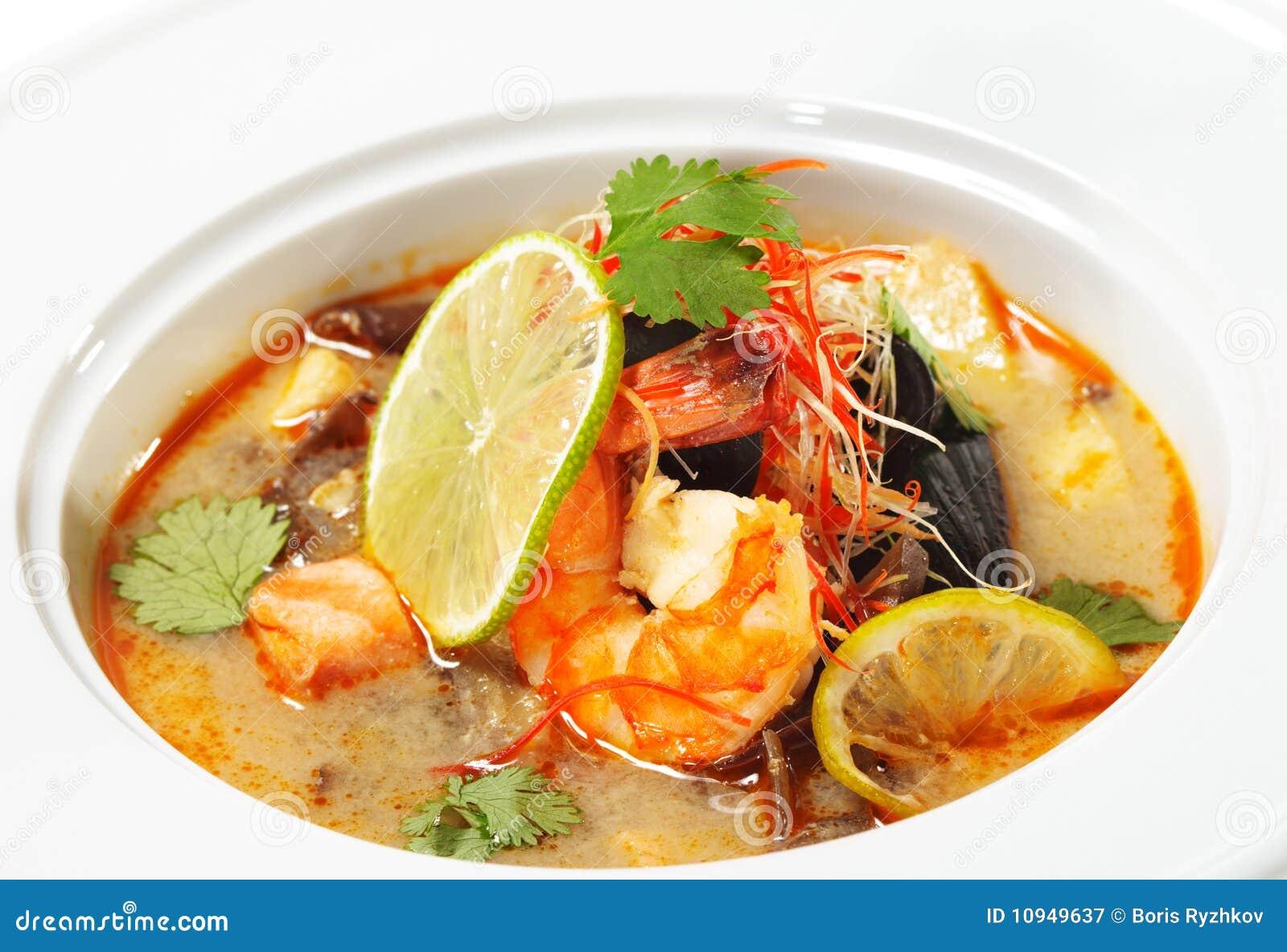 Dishes батат tom kung тайский
