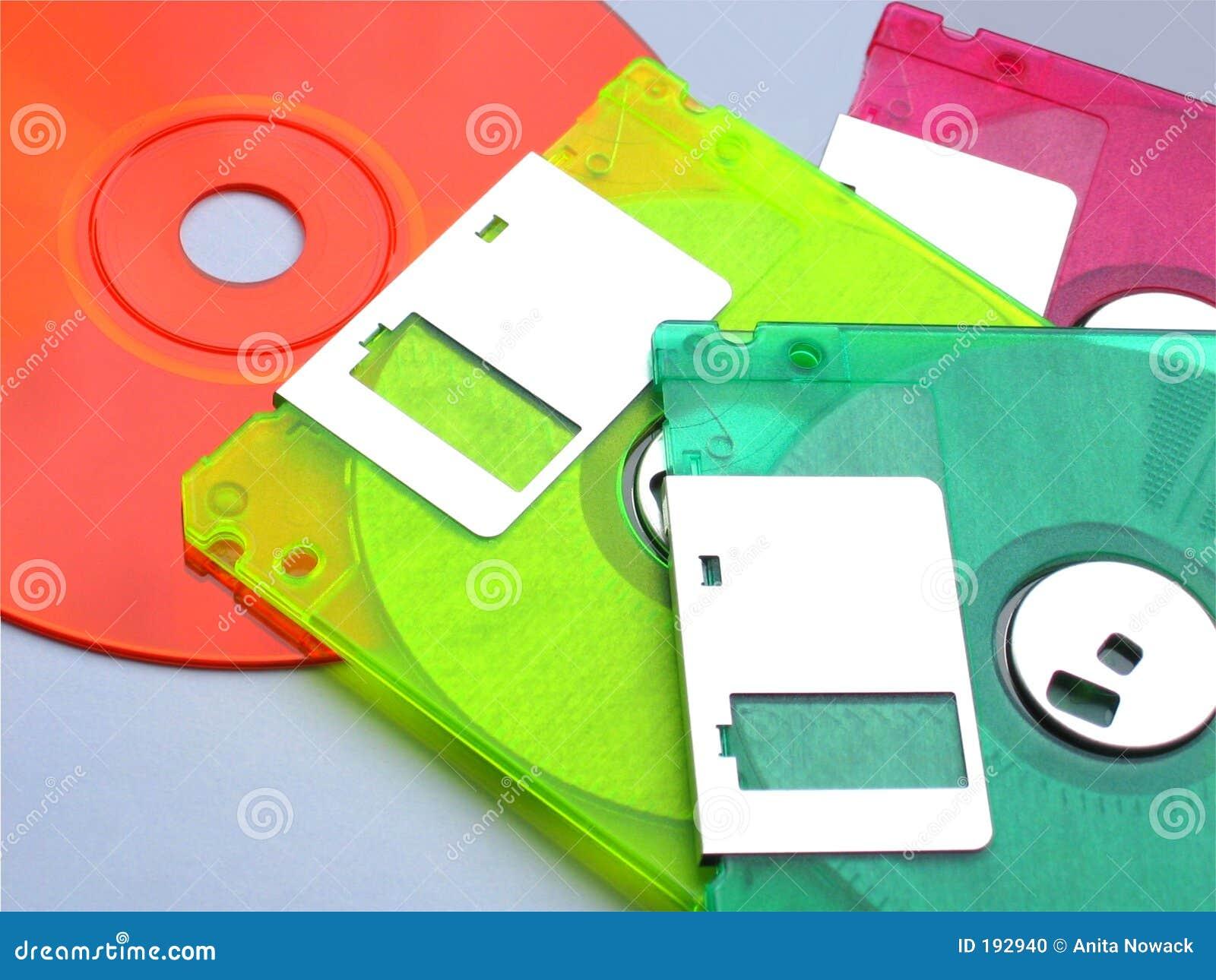 Diskettes y un Cd