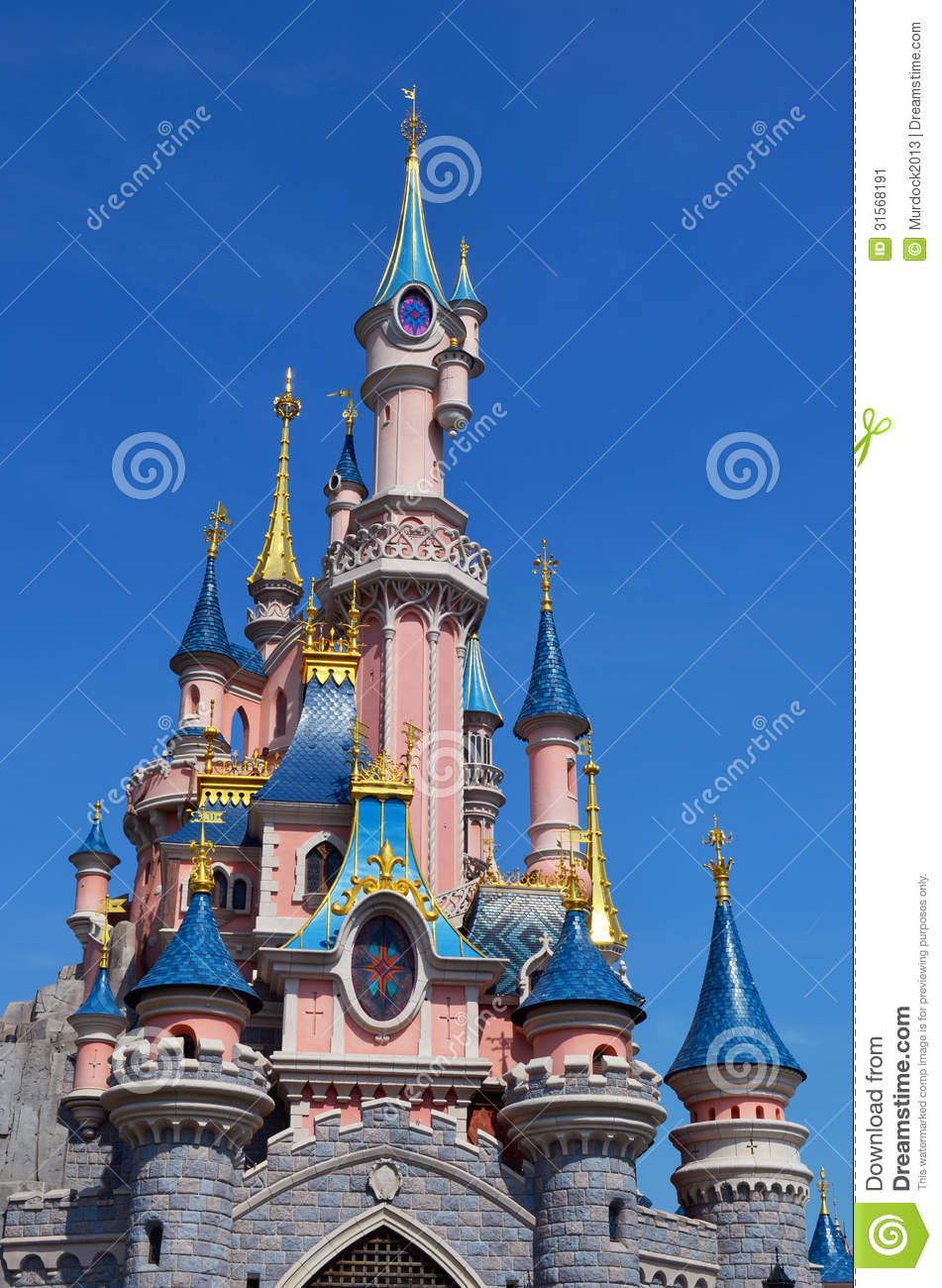 disney castle in paris france editorial photo image of crowd princess 31568191. Black Bedroom Furniture Sets. Home Design Ideas
