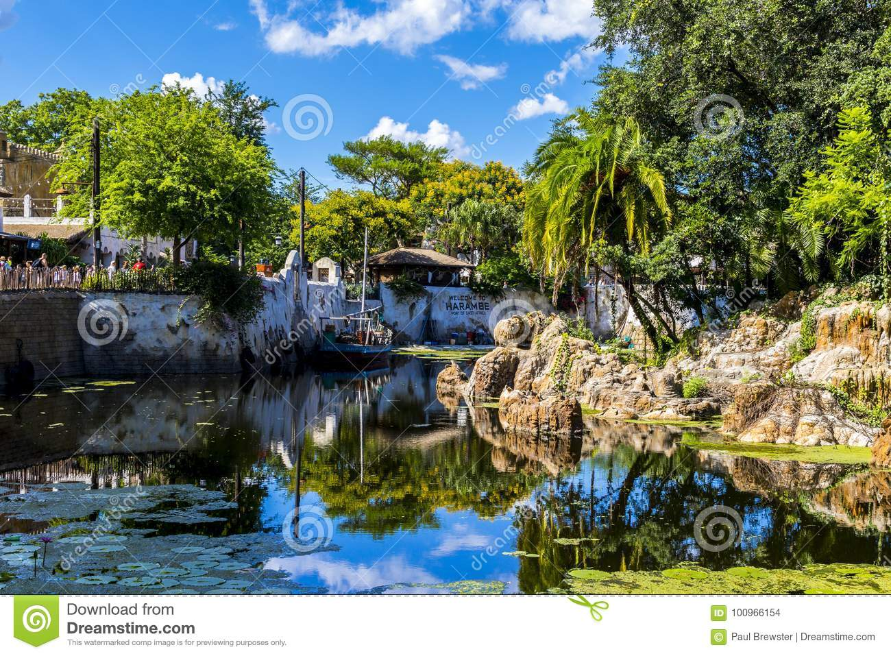 Disney-de boot van wereldorlando florida animal kingdom op water in Afrika