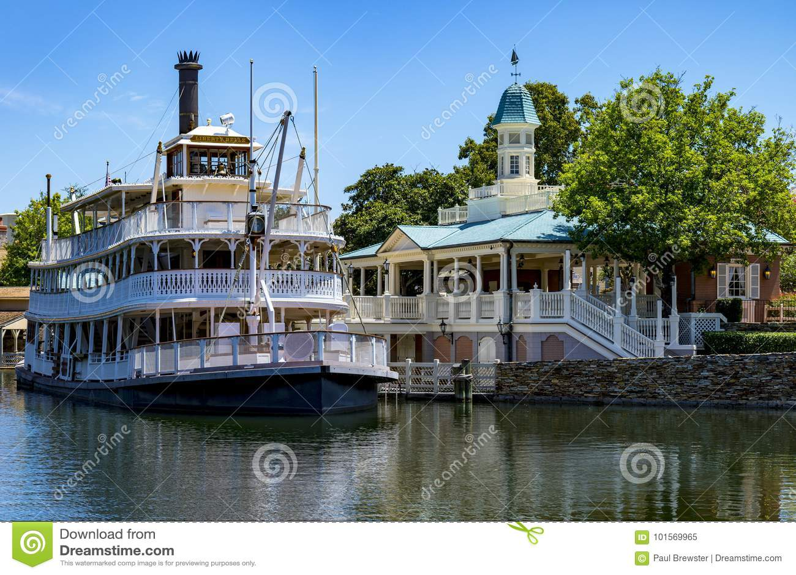 Disney world Mississippi paddle steamer boat orlando Florida